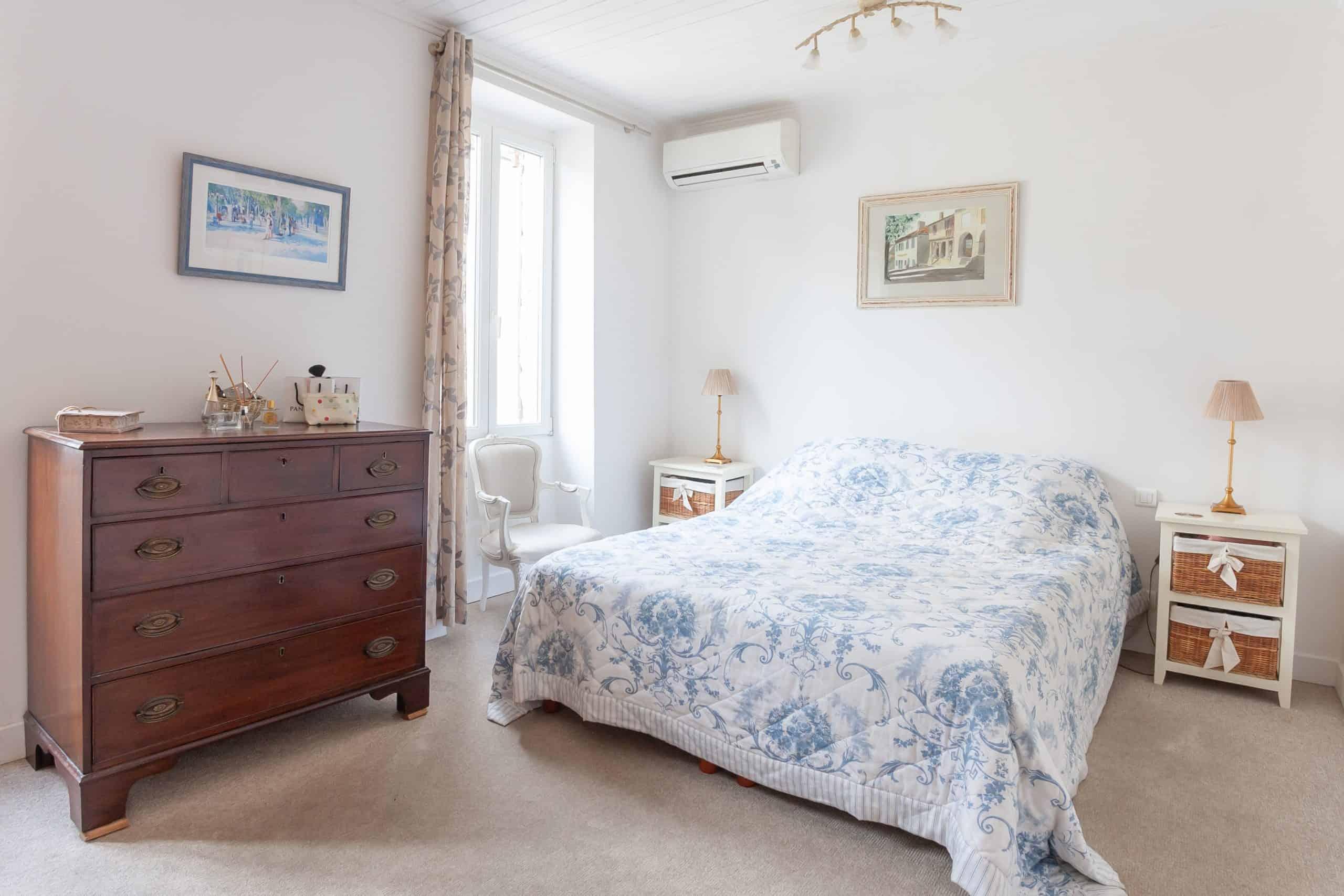 Chambre à coucher1-82002
