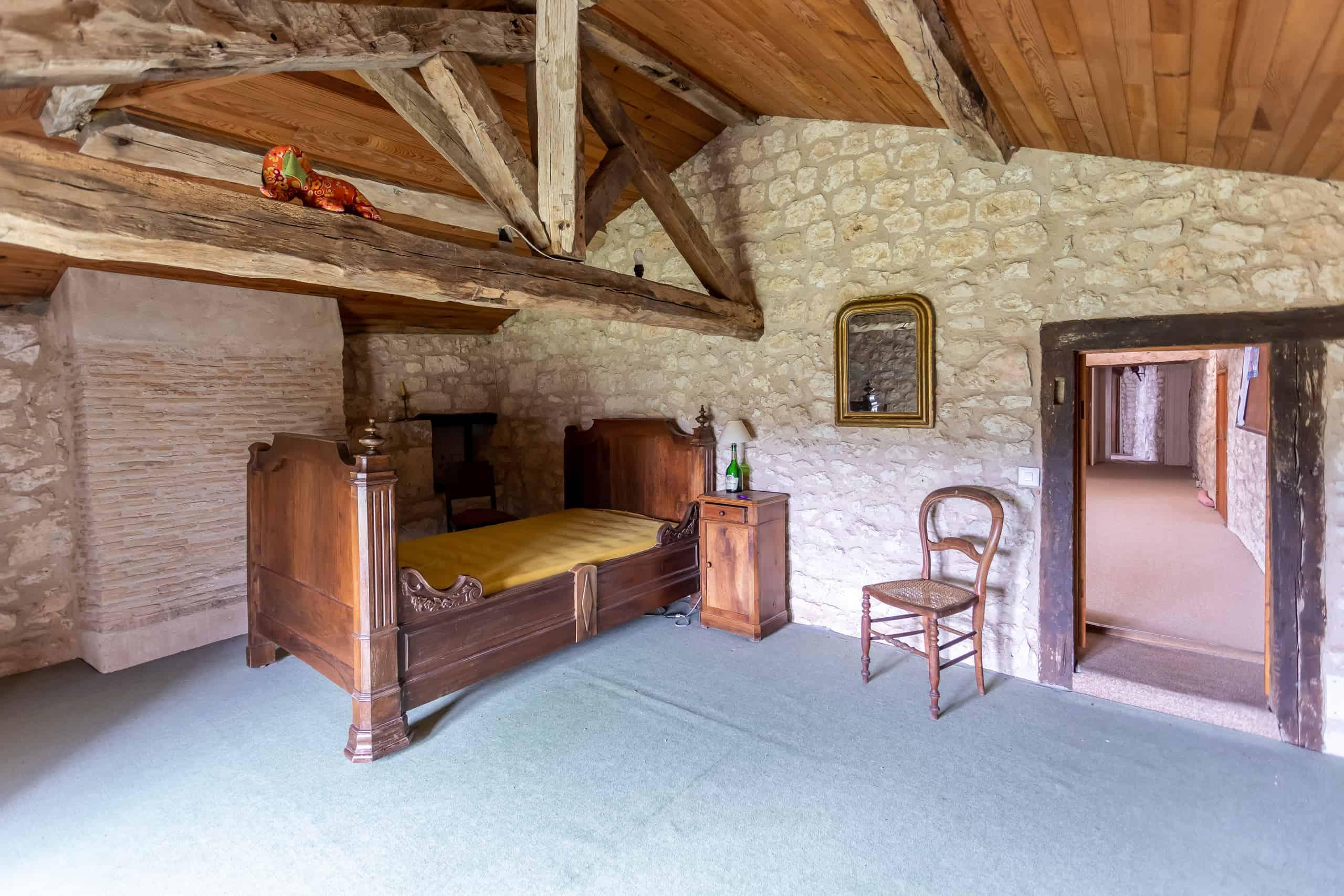 Attic-bedroom-47015