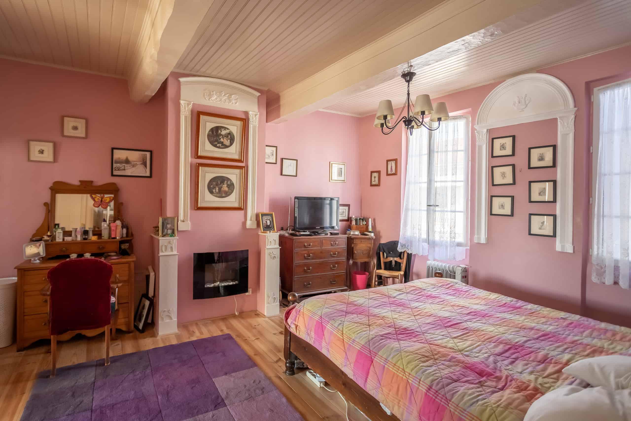 Bedroom-47014 (1)