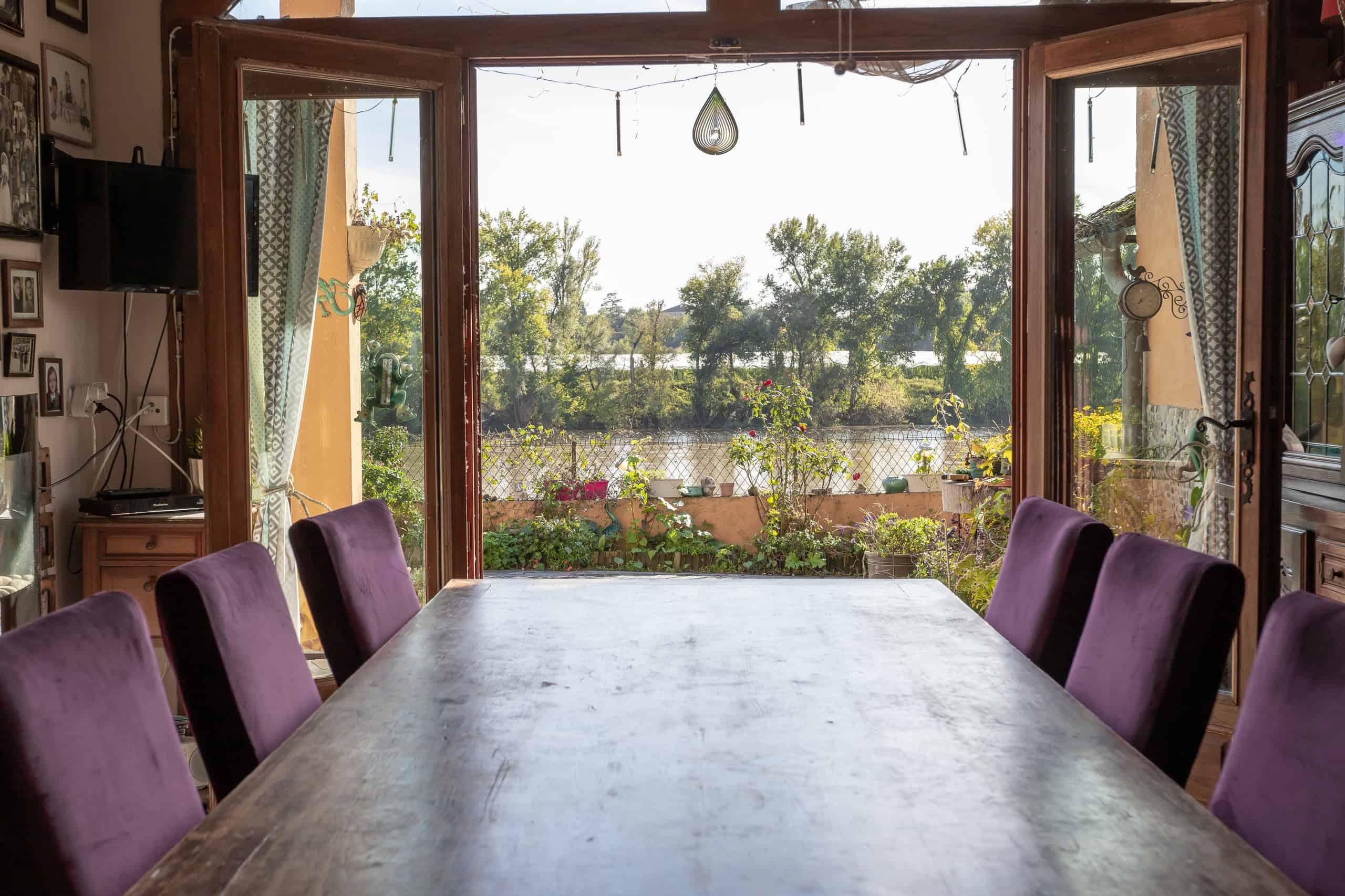 Diningroom-view-47014