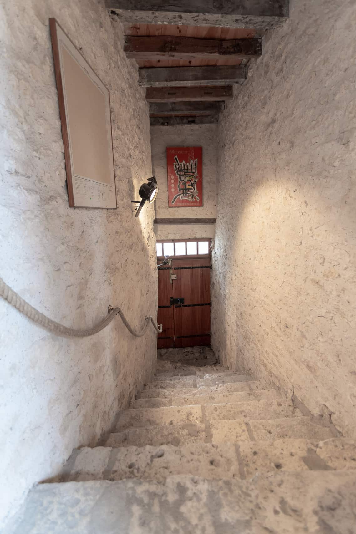 Entrance-stairs-47015