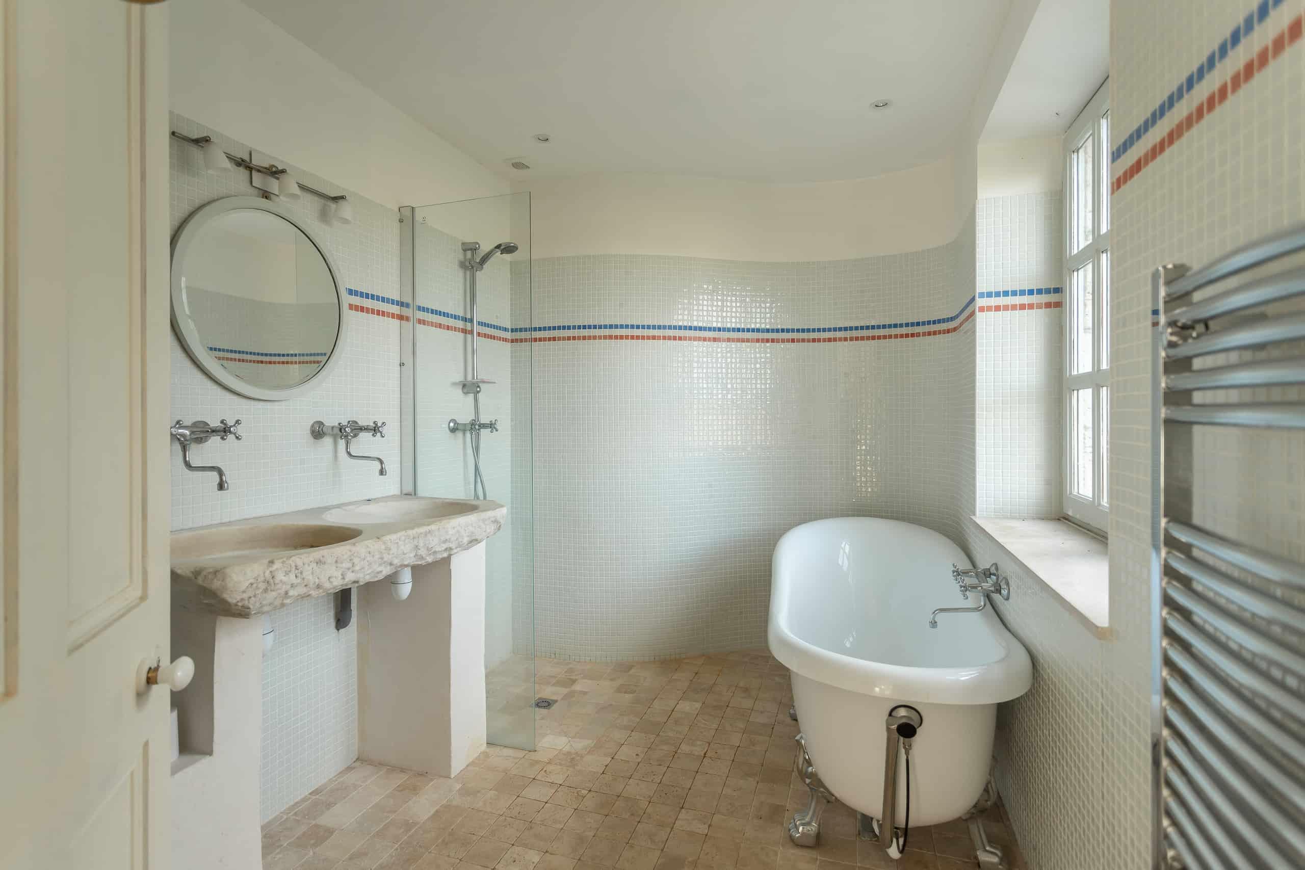 Bathroom-WMC026