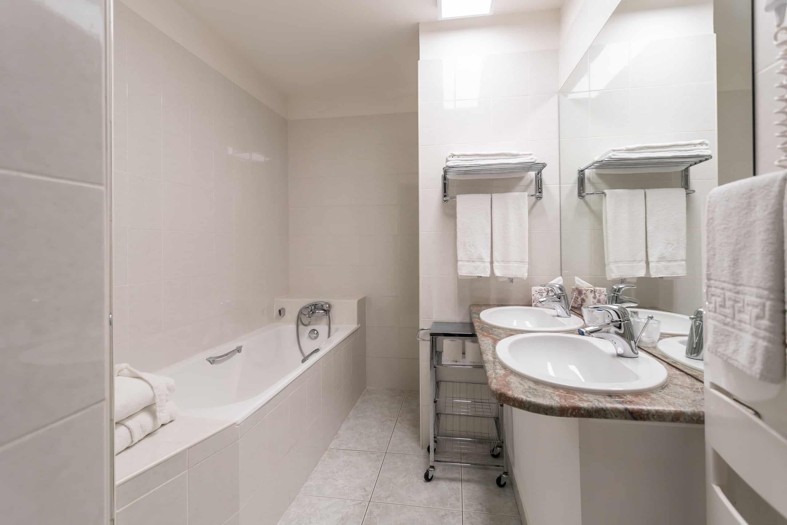 Bathroom-WMC030