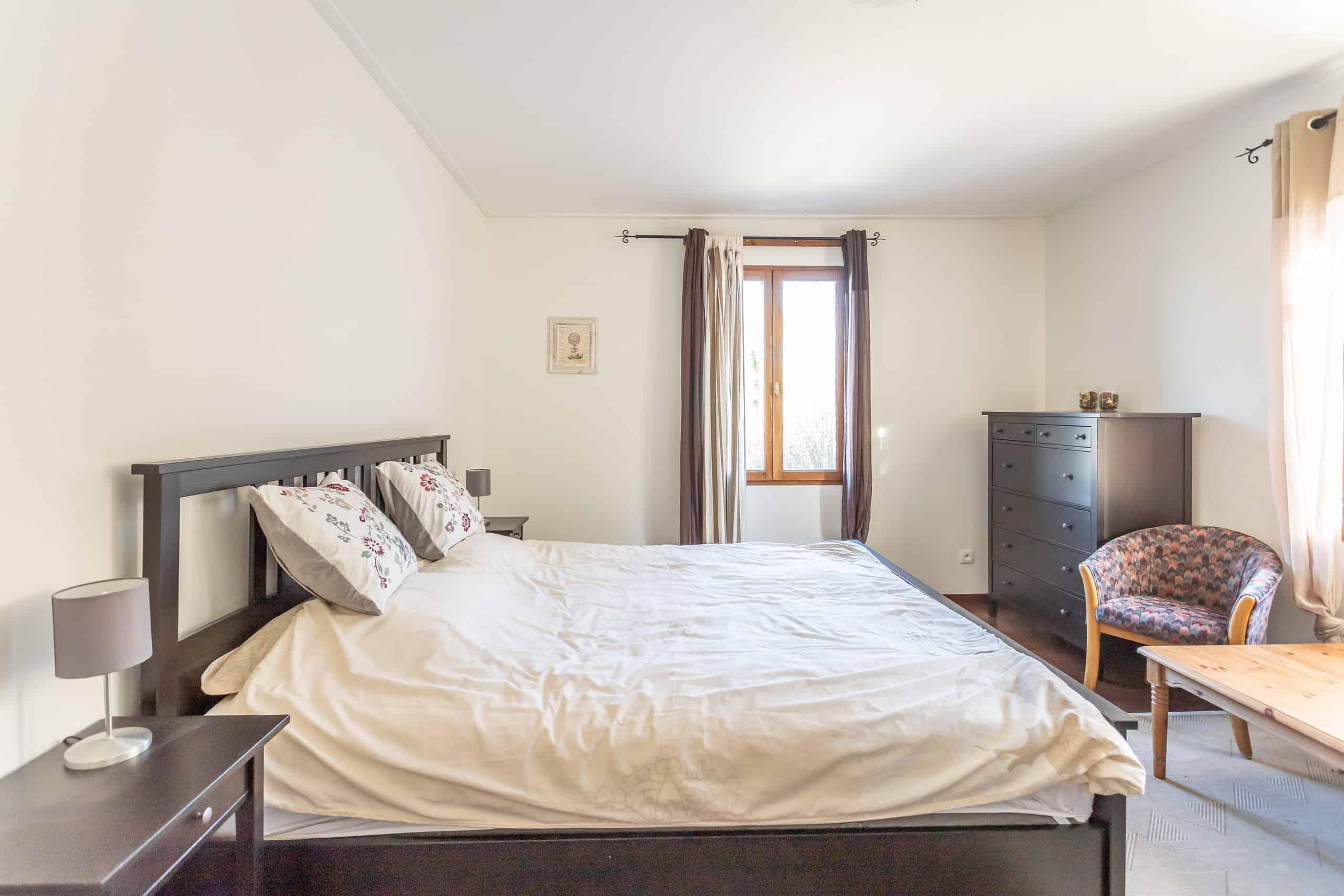 Bedroom-main-WMC027 (1)
