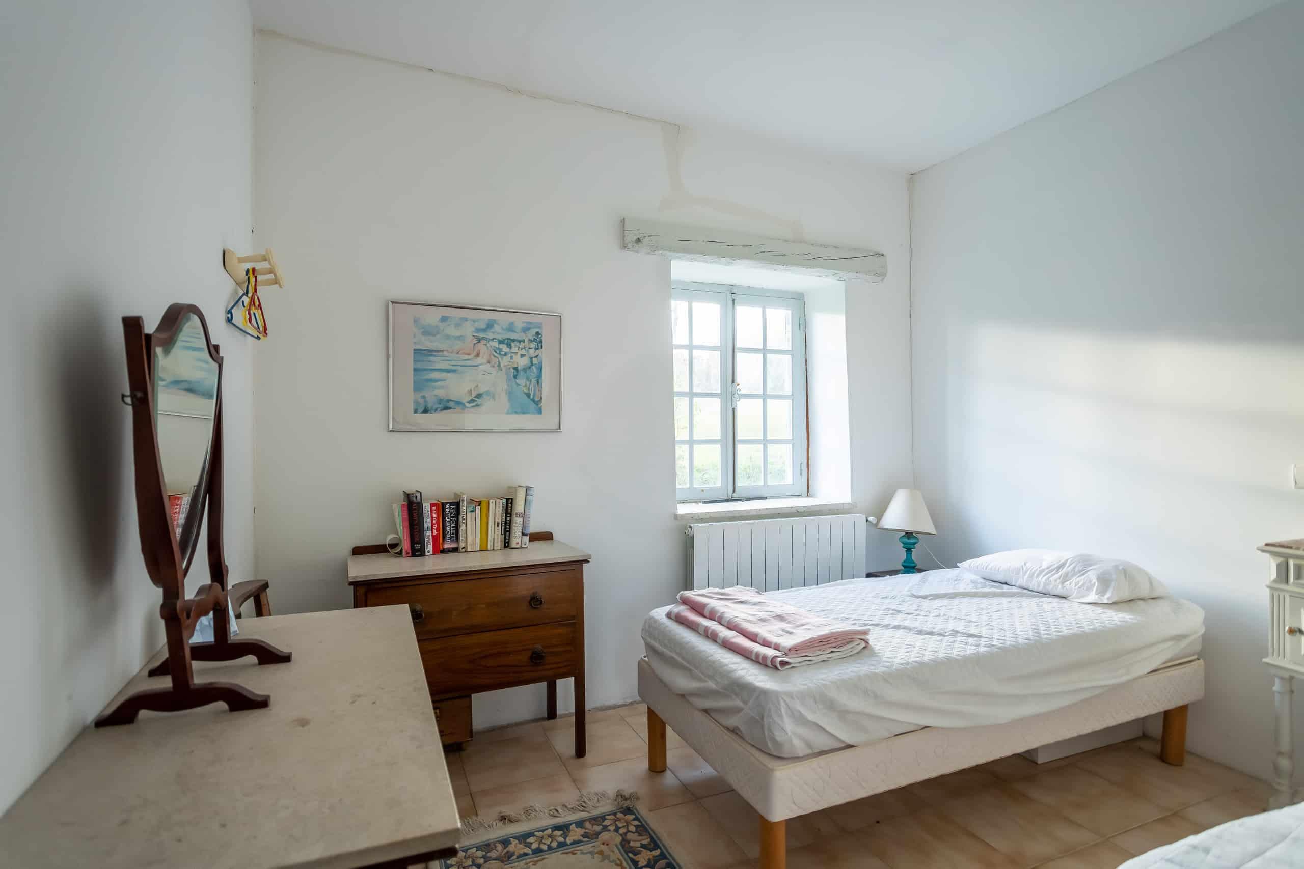 Bedroom-small-WMC026