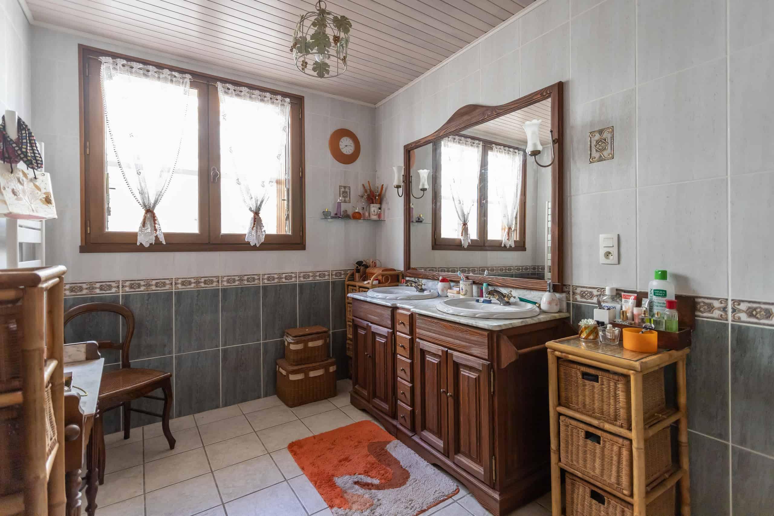 Bathroom-WMC057
