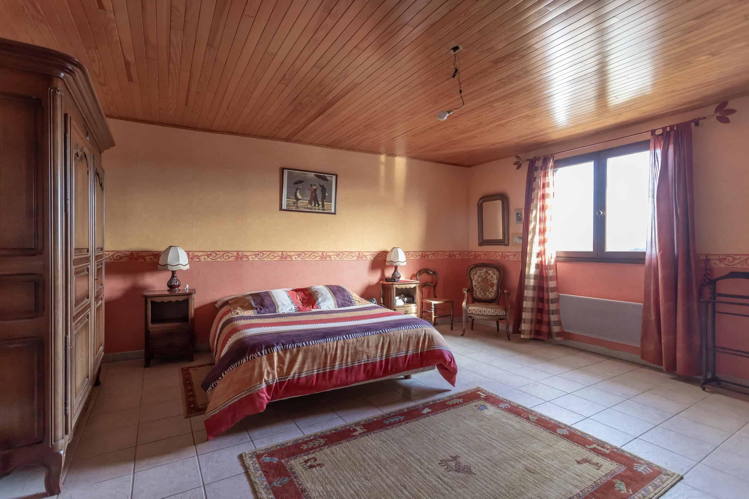 Bedroom-master-WMC057