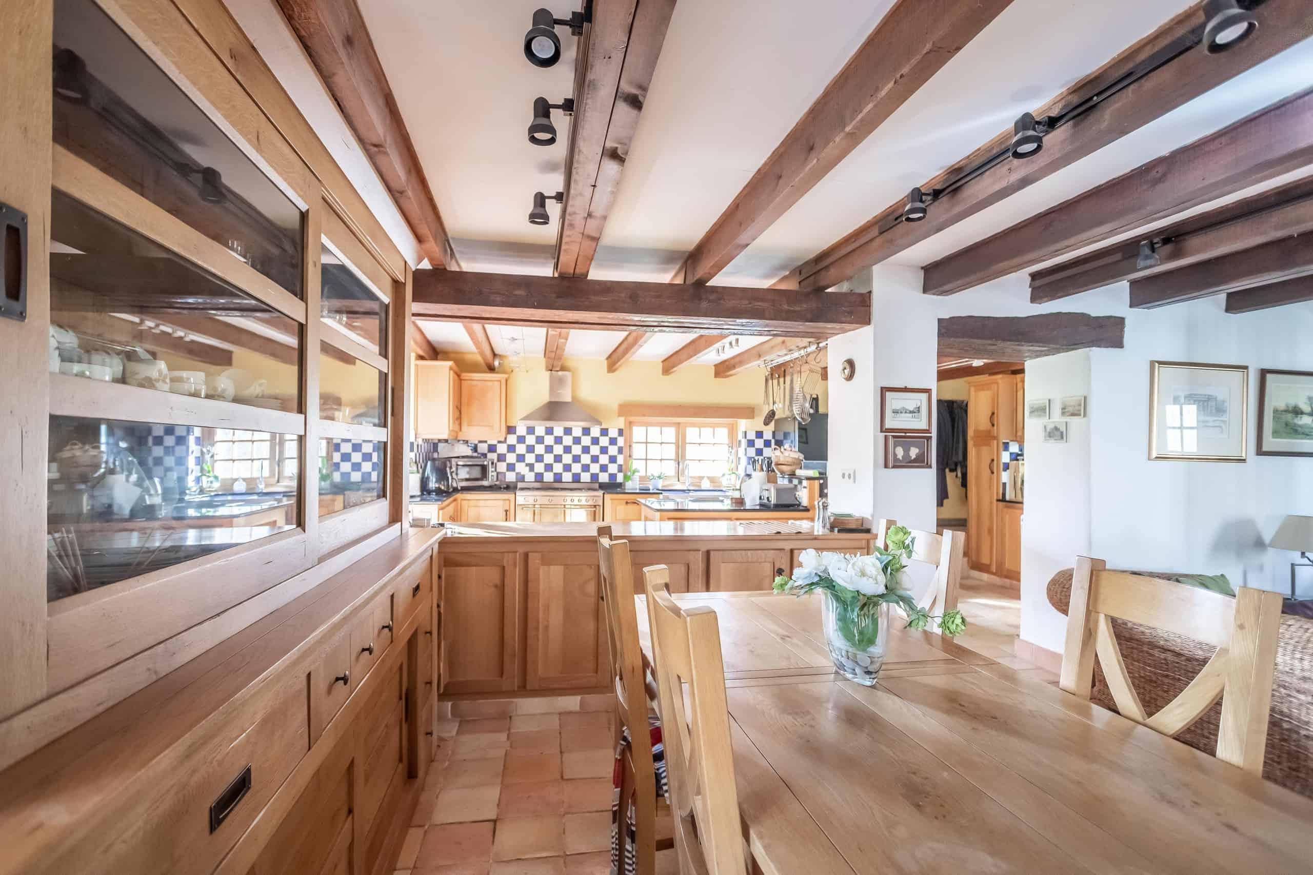 Diningroom-WMC054