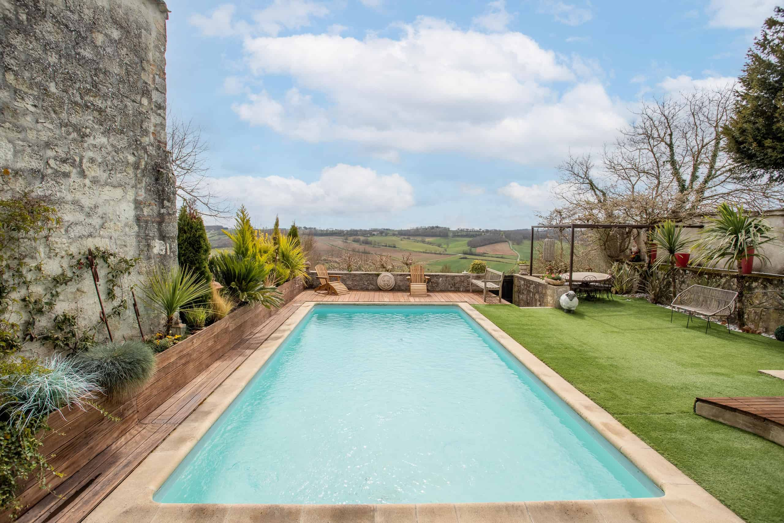 Vue sur la piscine-WMC059