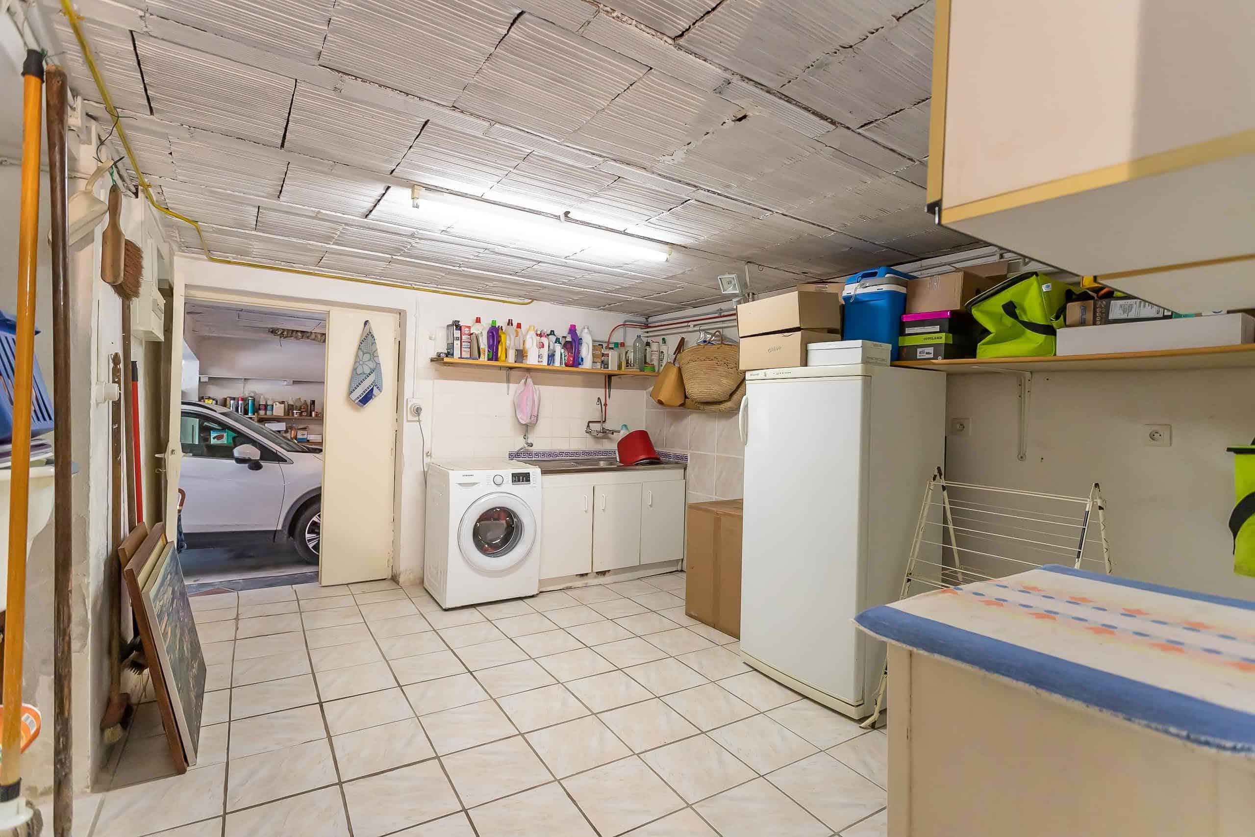 Storeroom-WMC057