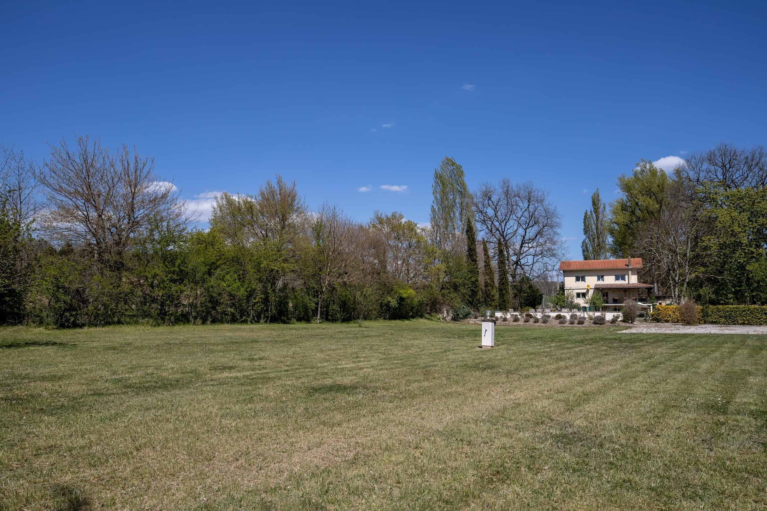 Lawn-WMC067