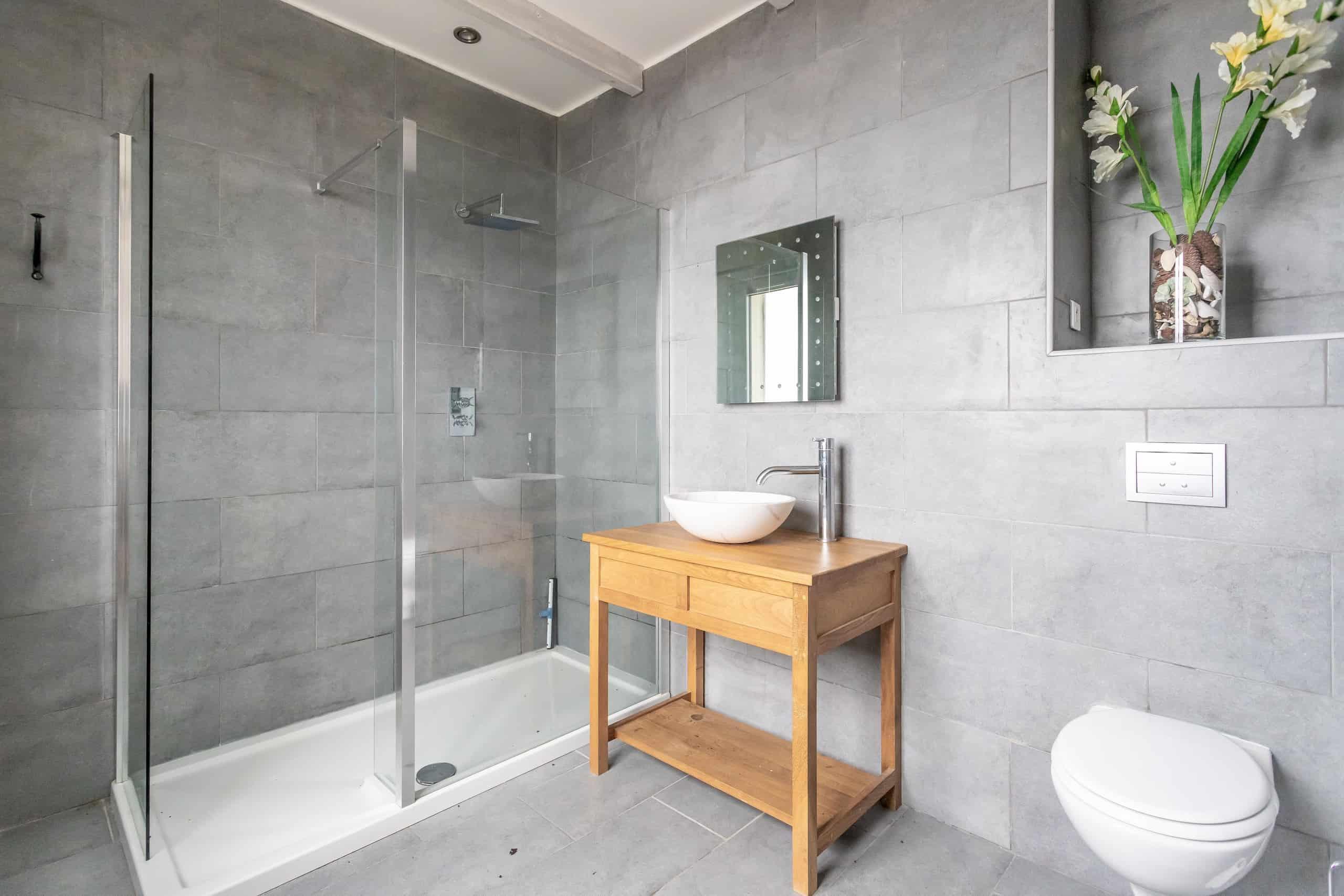 Shower-WMC053