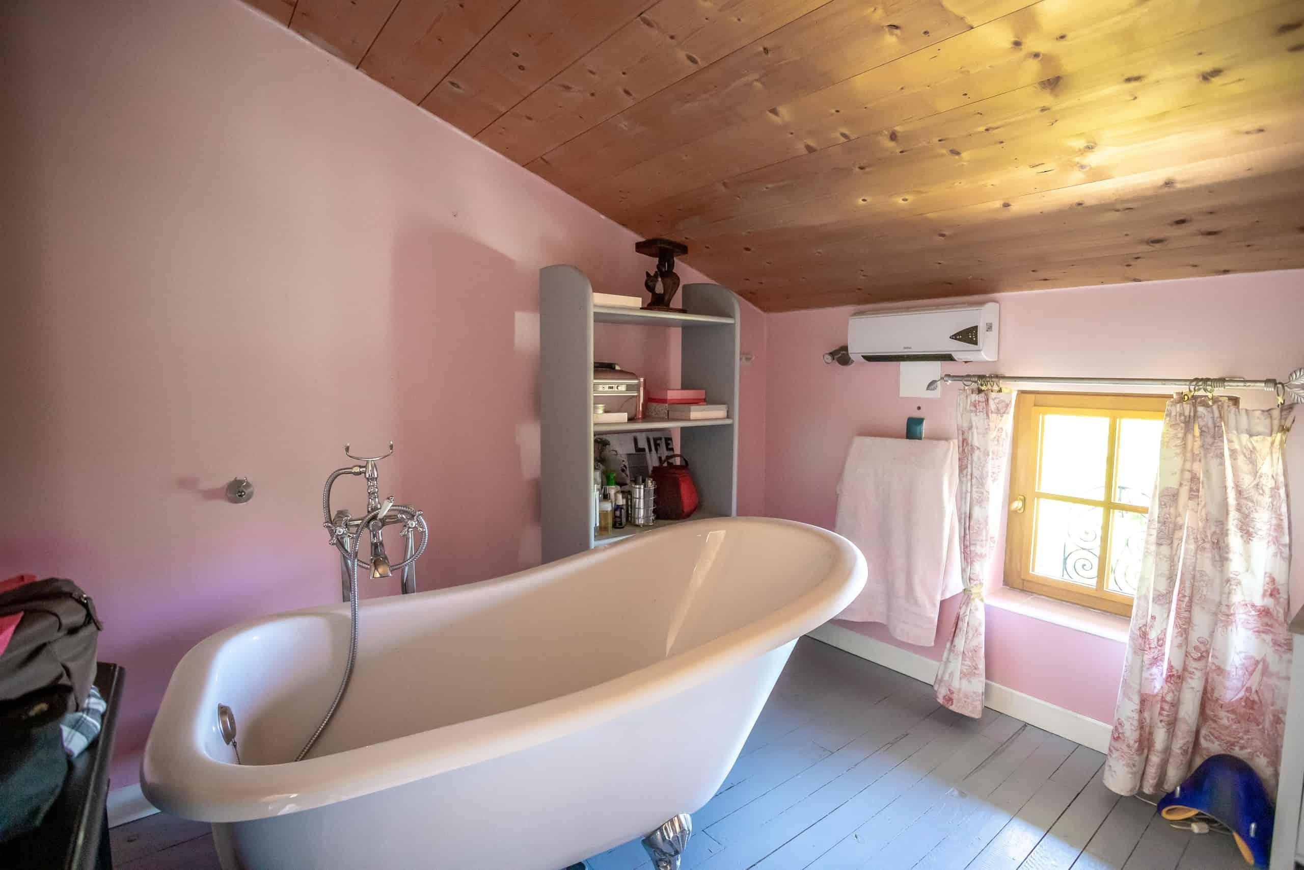 Bathroom-WMC070