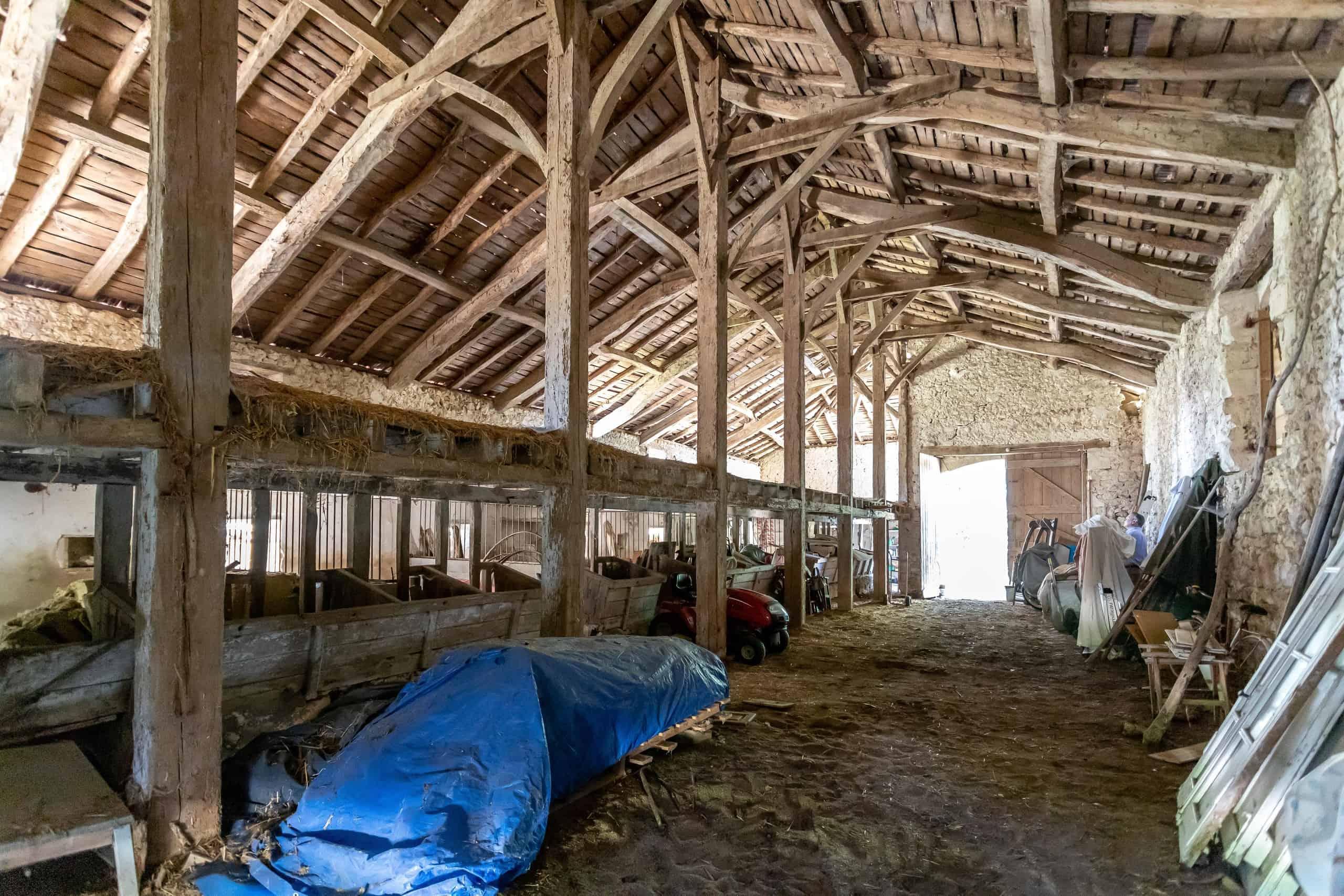 Barn-interior-WMC077