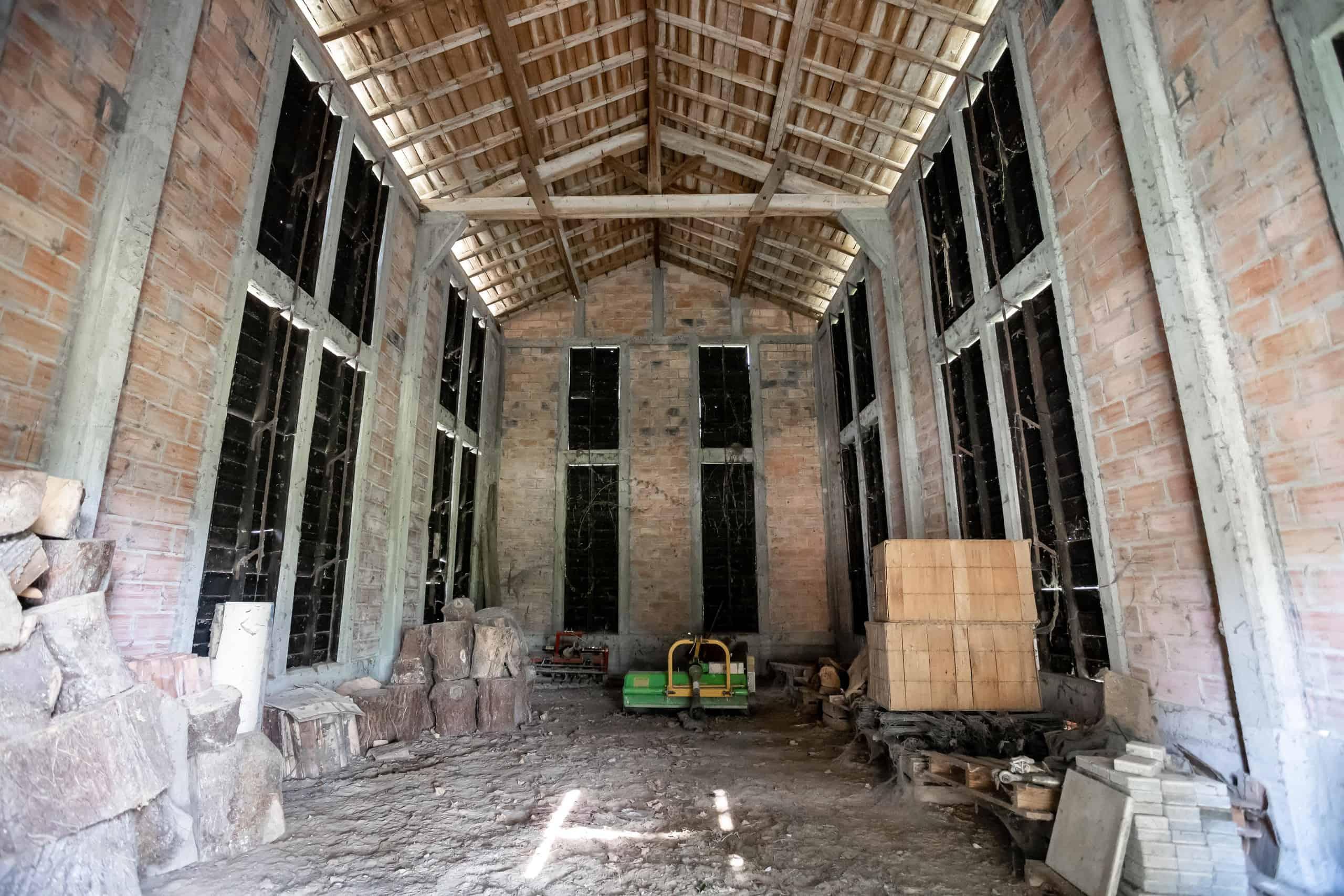 Intérieur de grange-WMC079