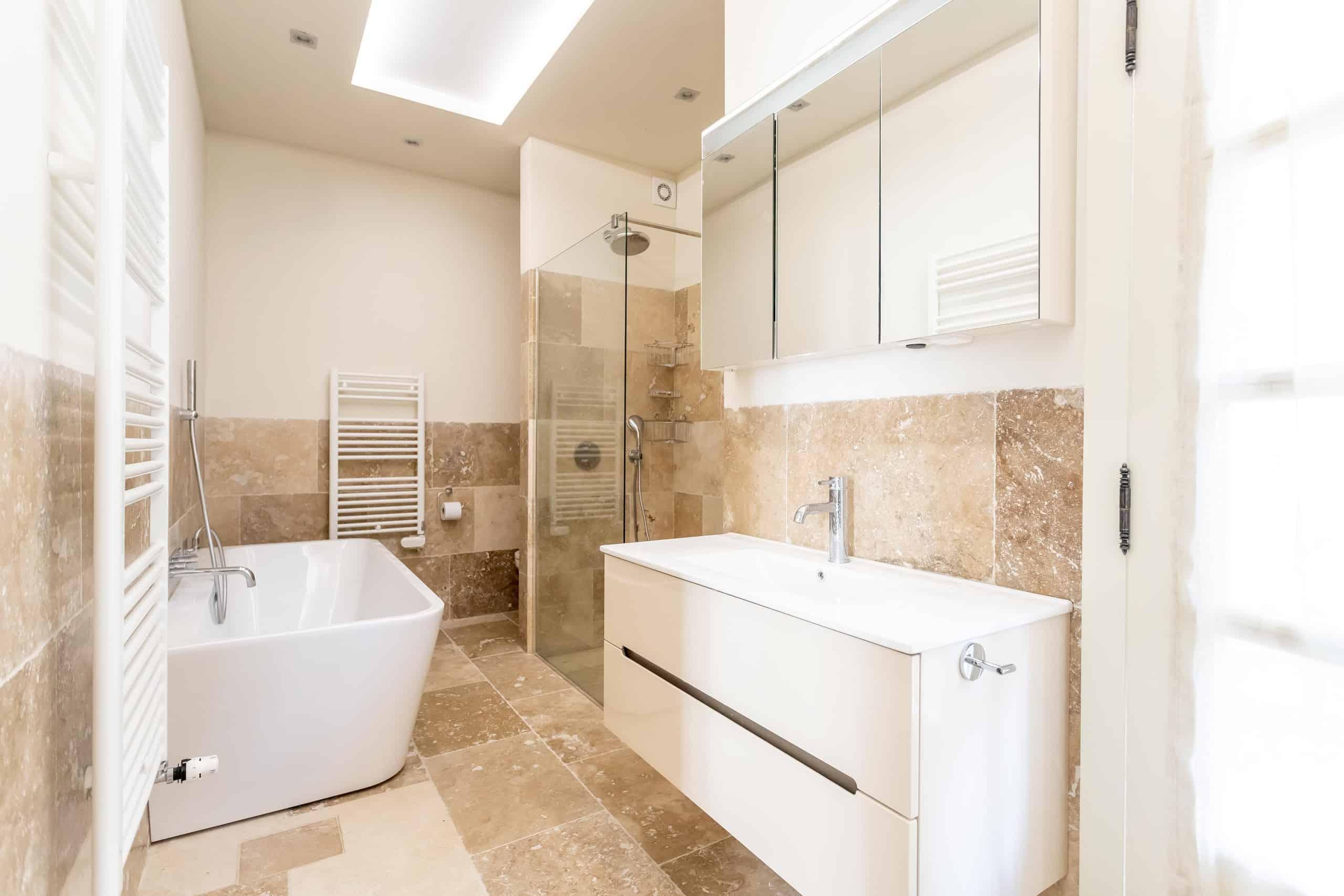 Bathroom-WMC077