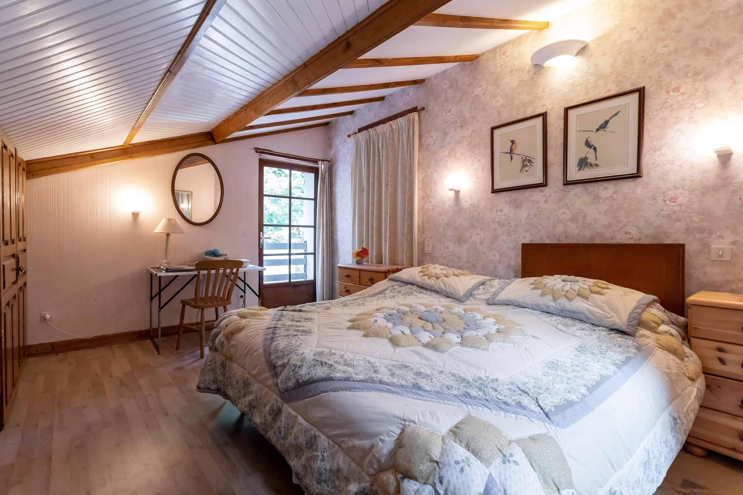 Bedroom-WMC080