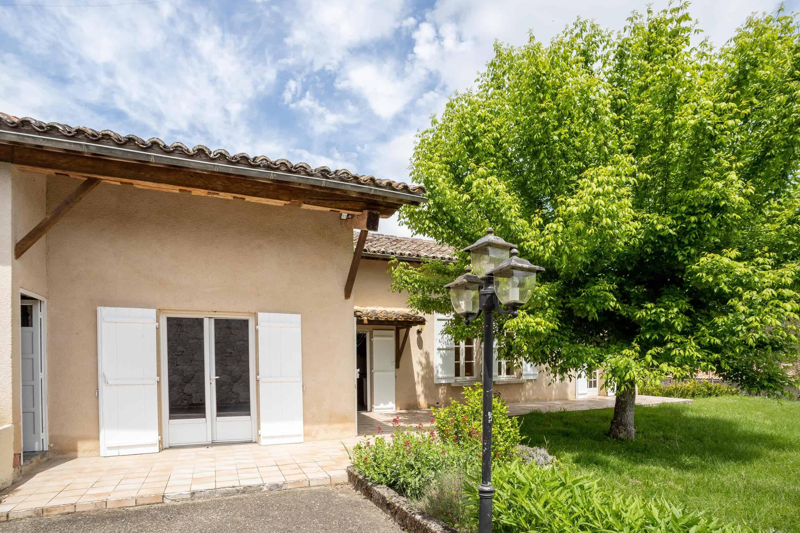 Maison de village avec grand jardin
