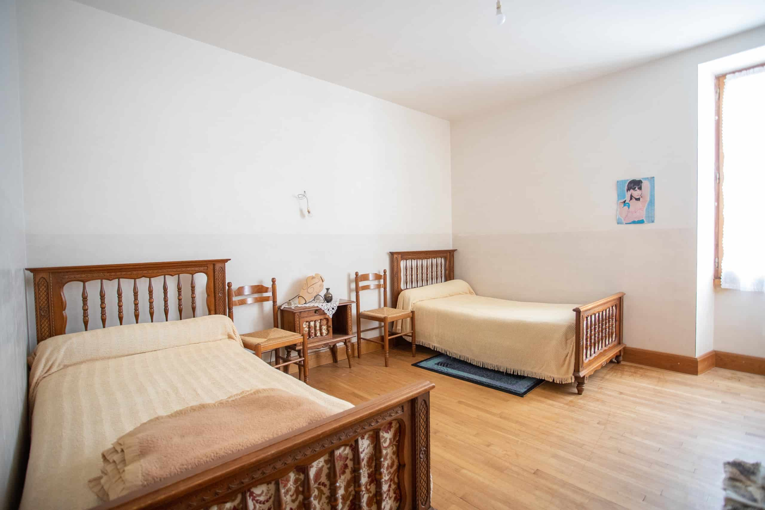 Twin-bedroom-WMC074