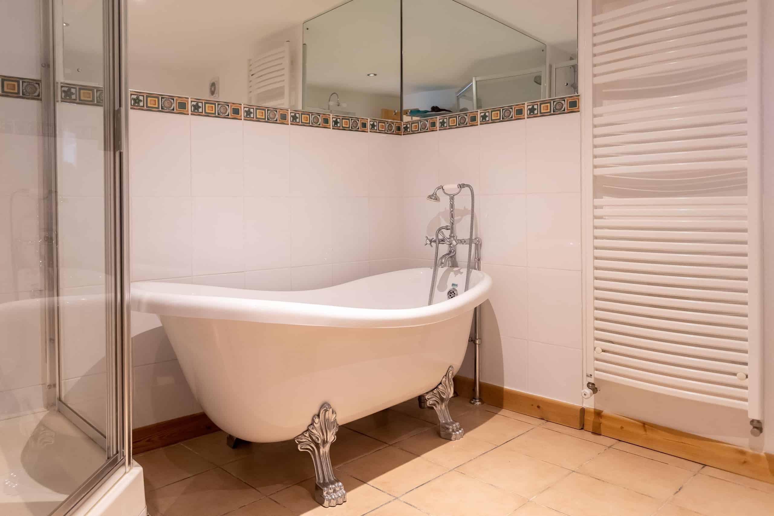 Bath-WMC083