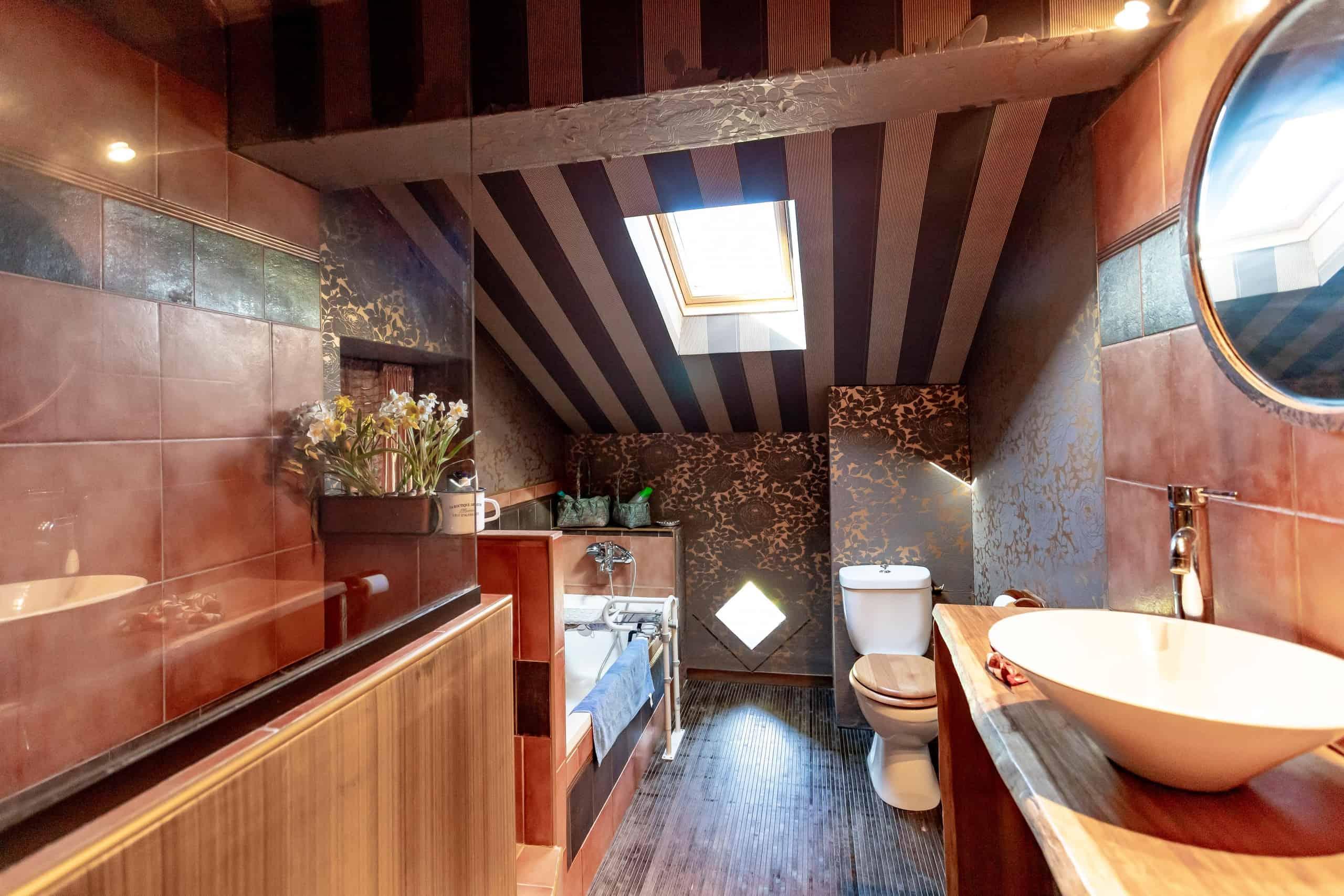 Bathroom-WMC084