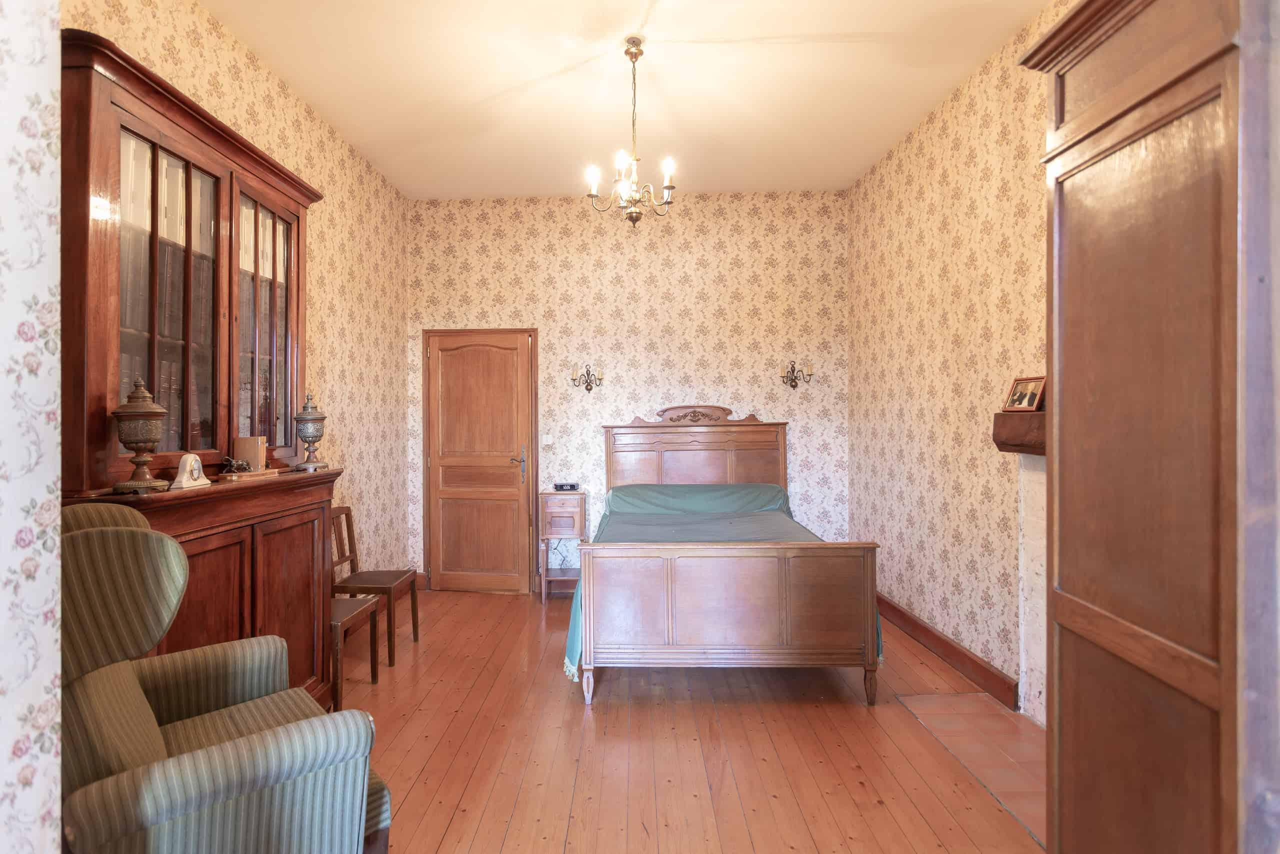 Chambre à coucher-2-WMC085
