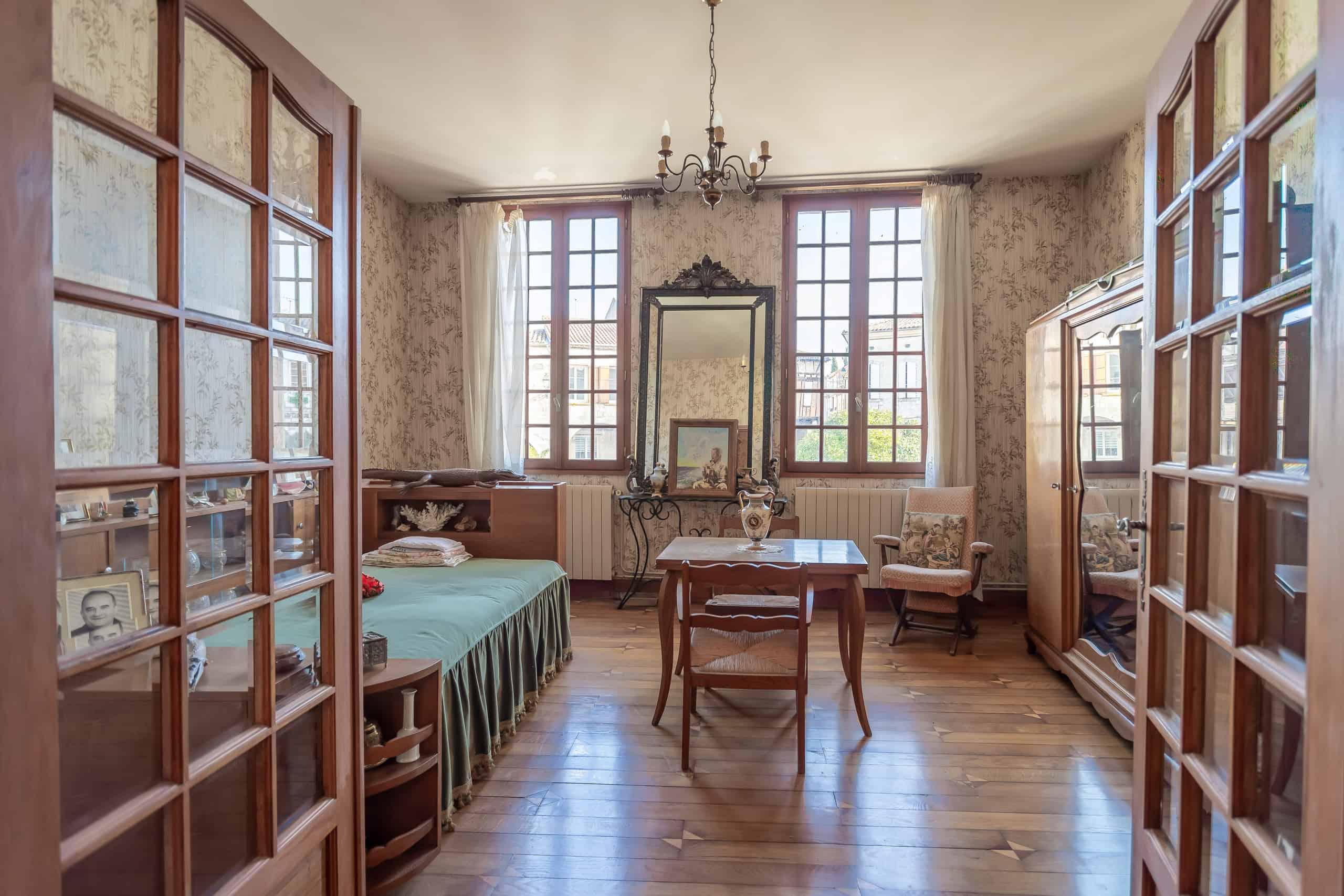 Chambre à coucher-maître-WMC085