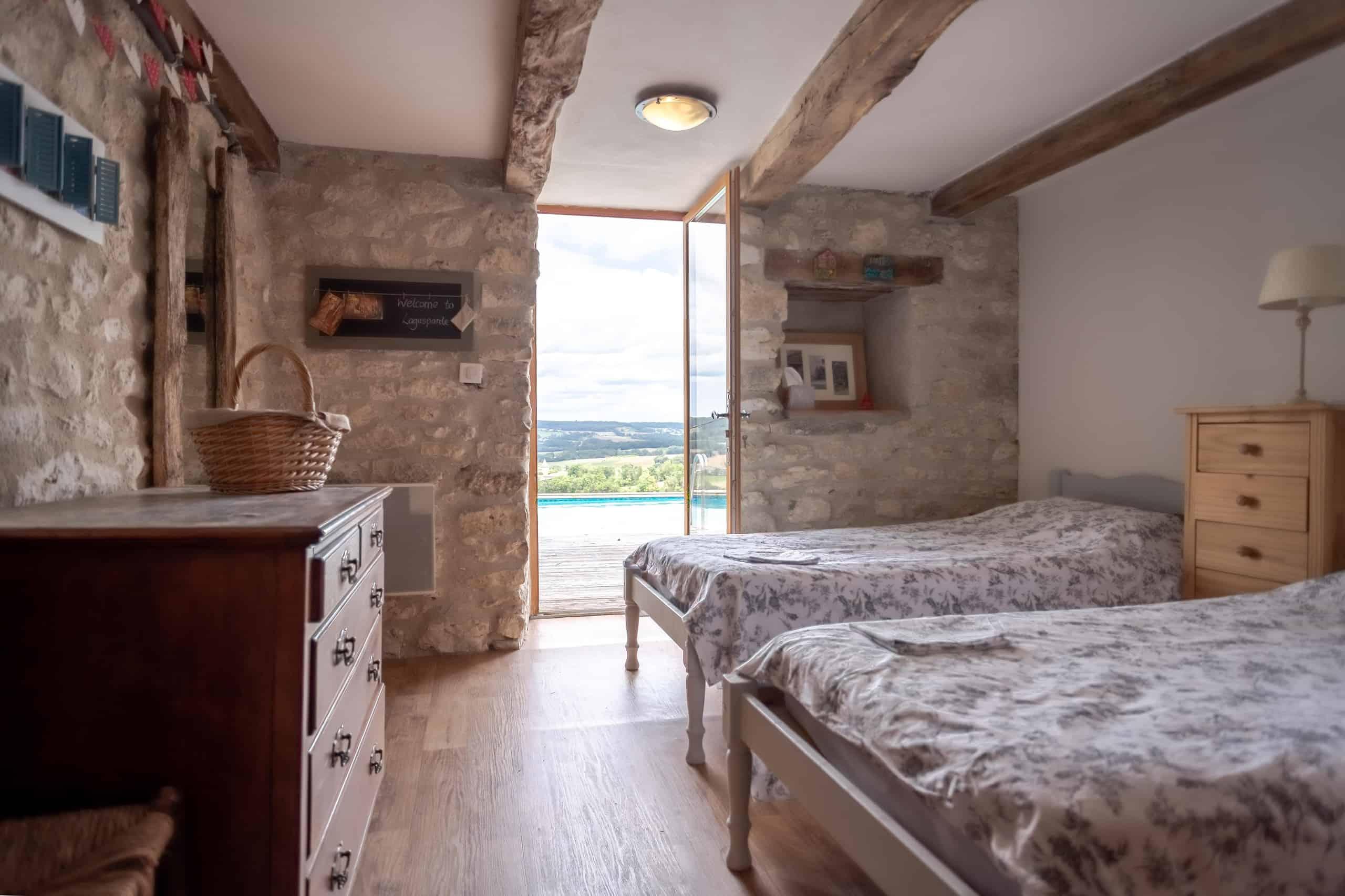 Bedroom-twin-WMC082