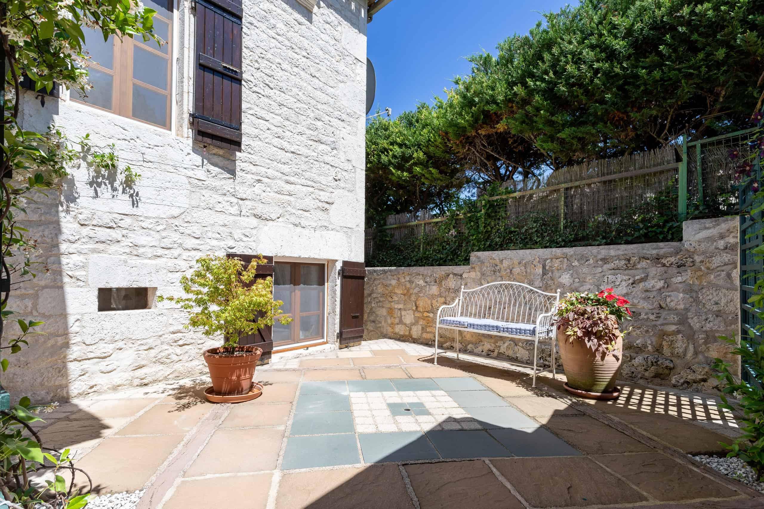 Courtyard-WMC083