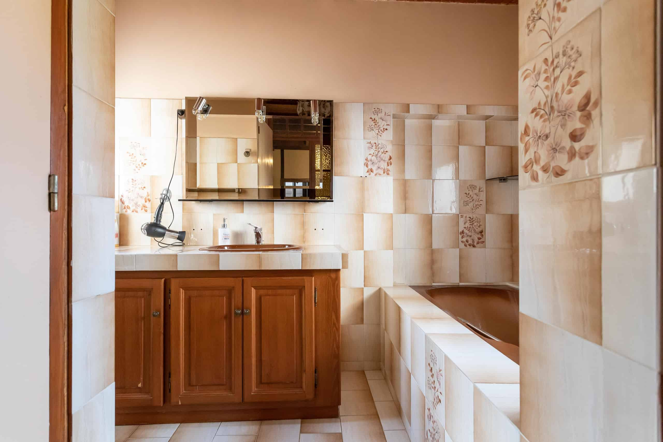 Bathroom-WMC095