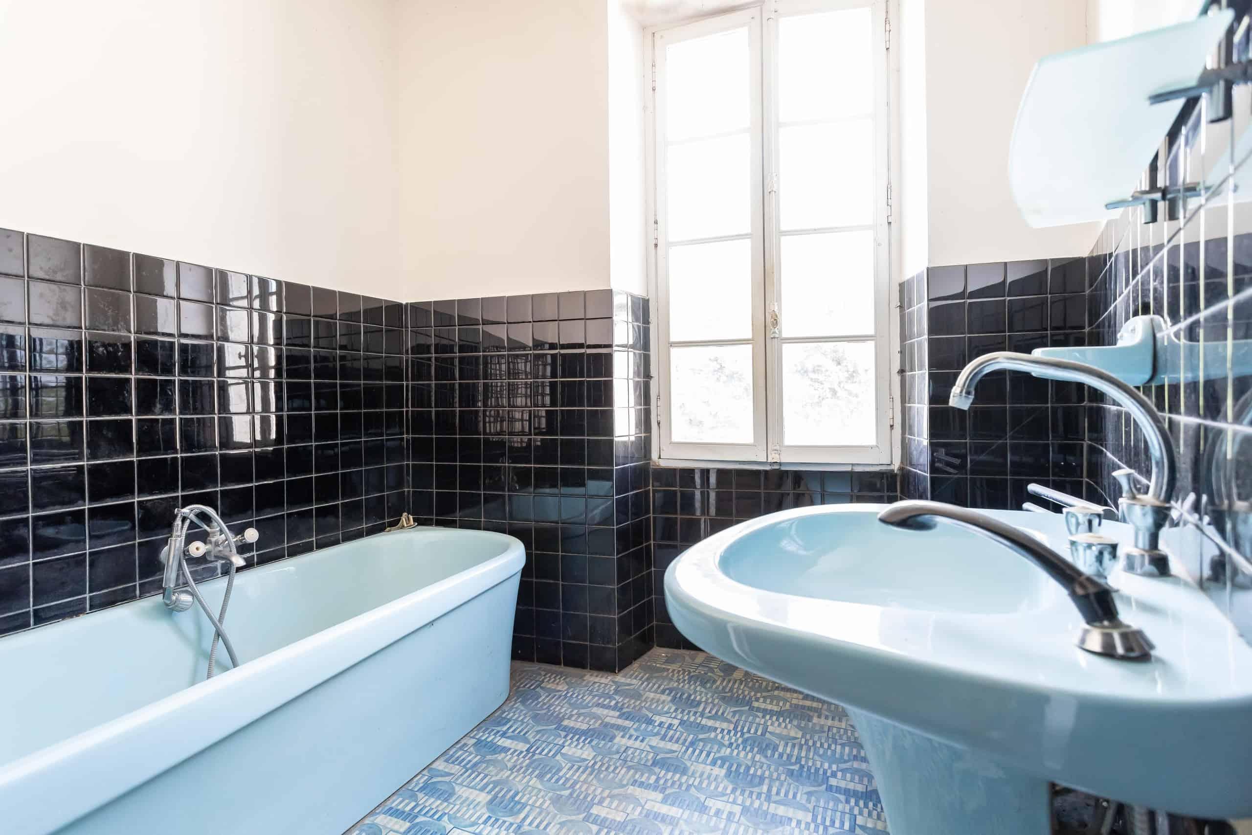 Bathroom-WMC097
