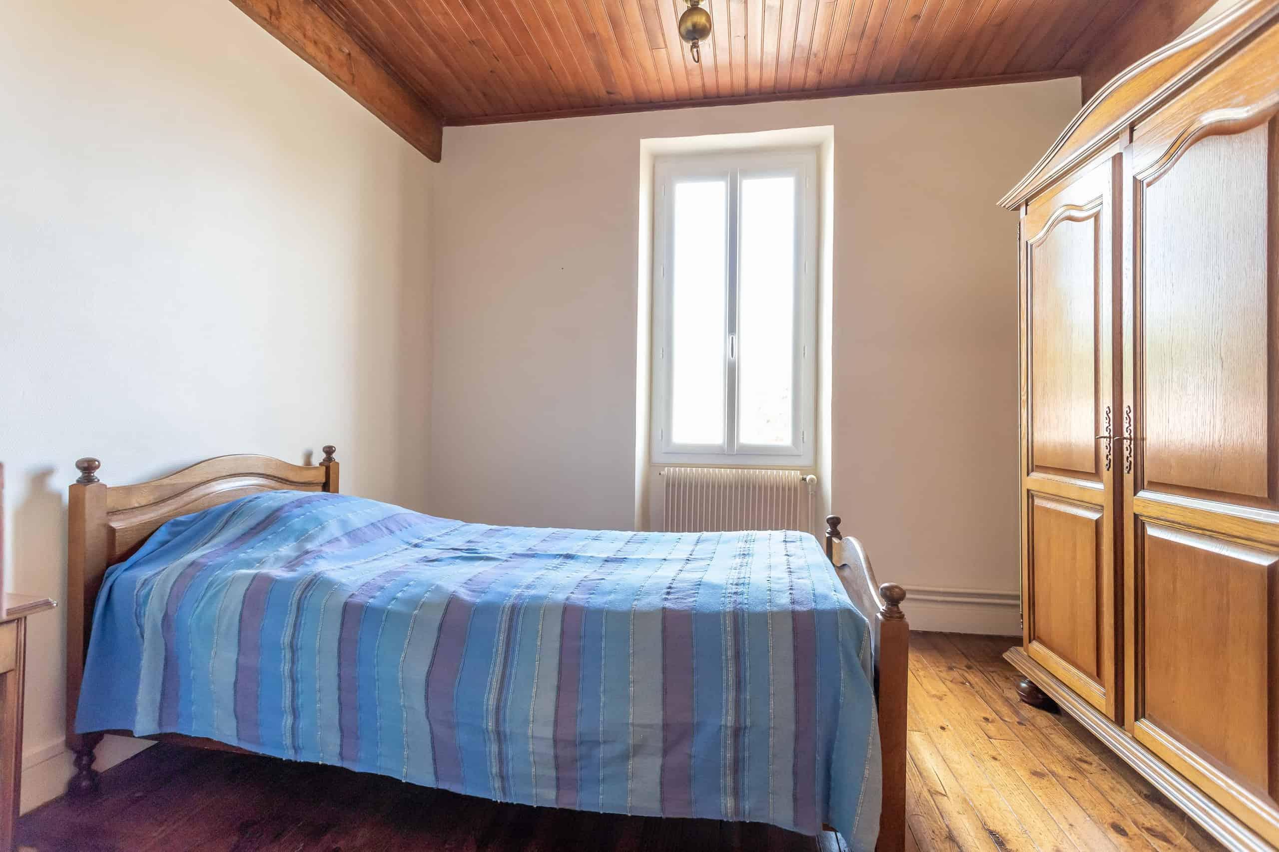 Bedroom-2-WMC095