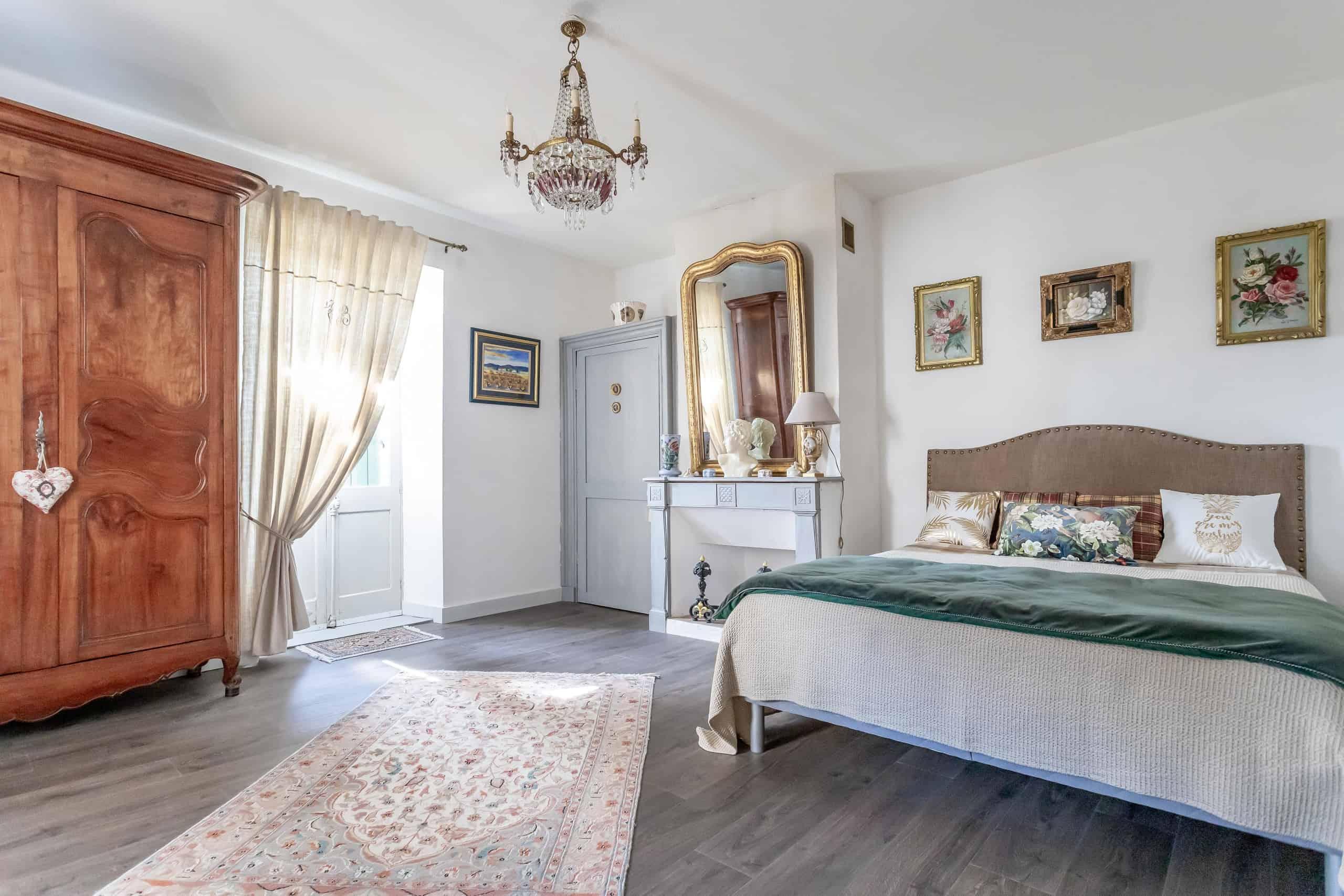 Bedroom-WMC096