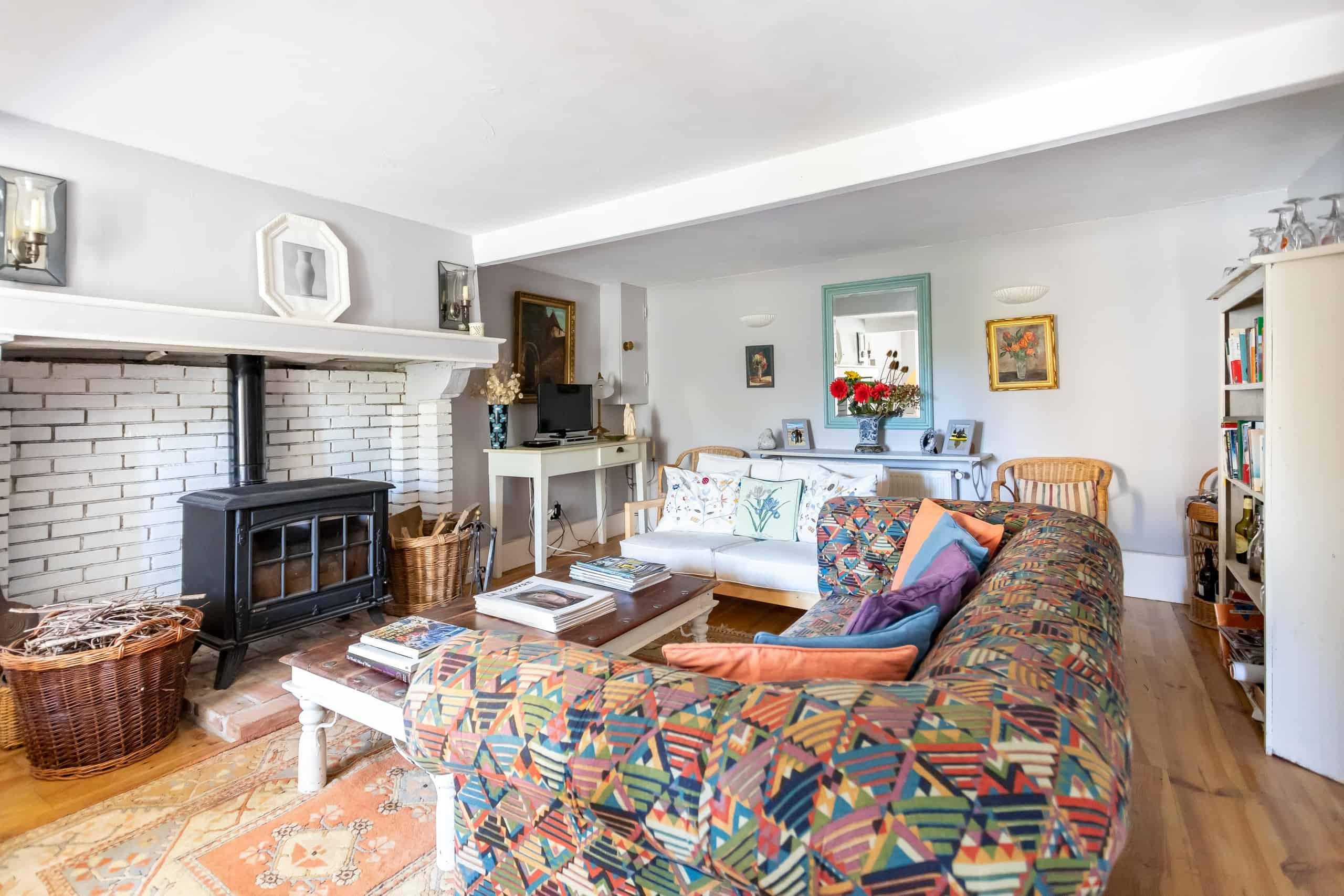 Livingroom-2-WMC101