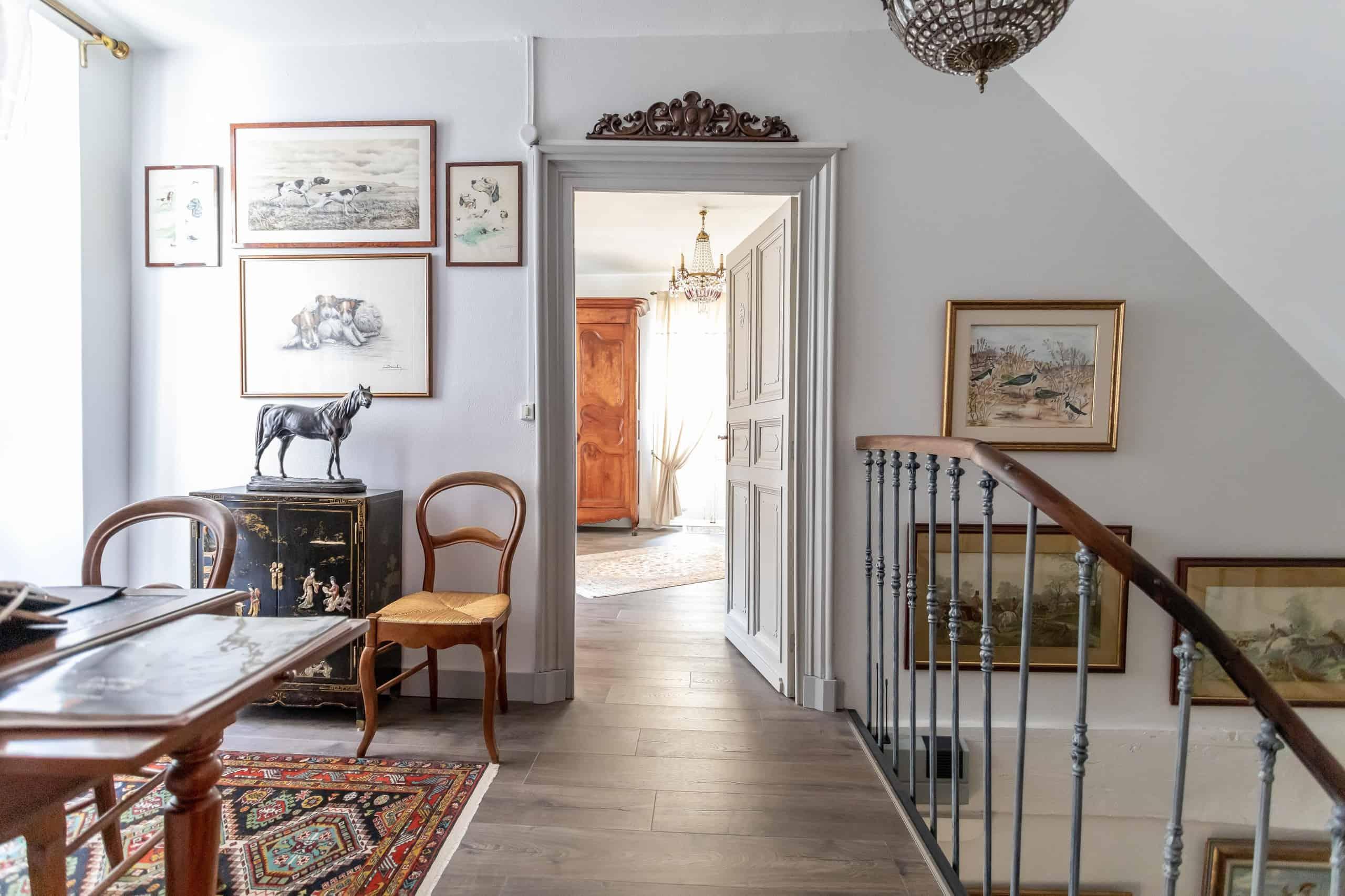 Topfloor-hallway-WMC096