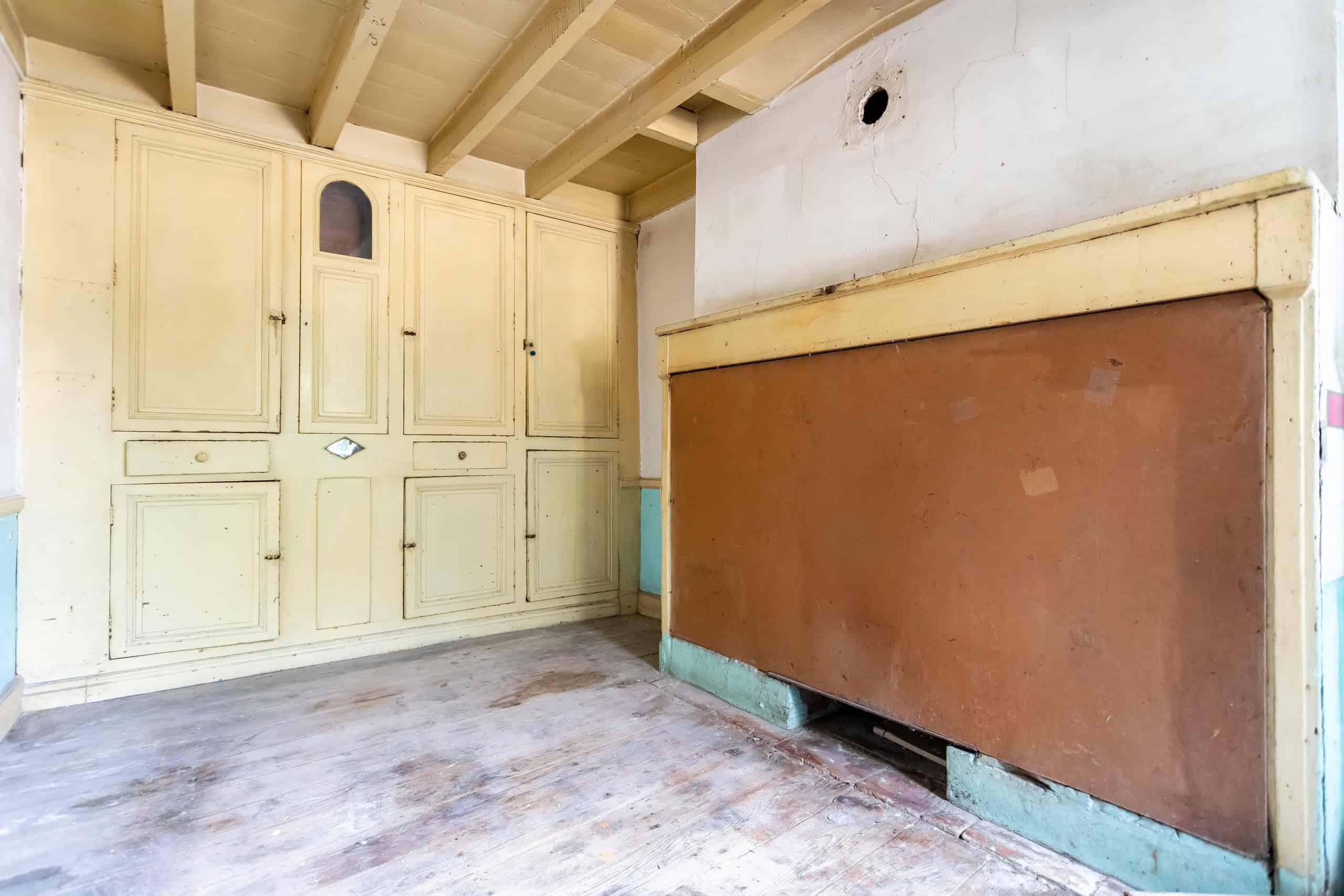 old-kitchen-WMC097