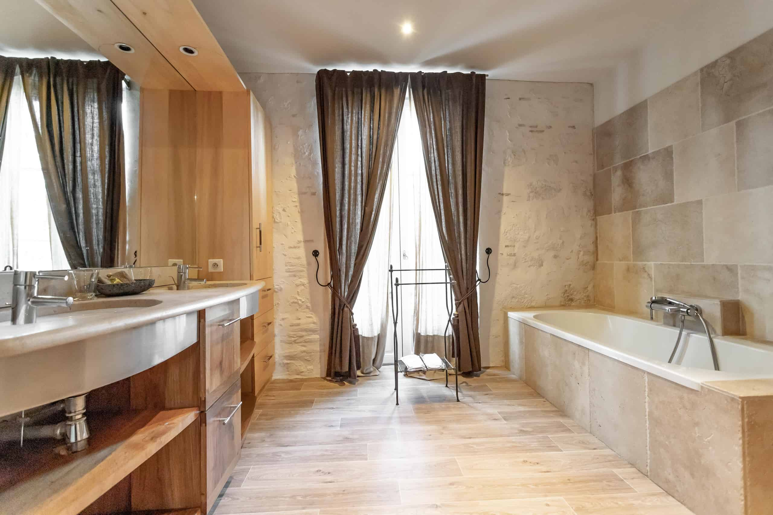 Bathroom-WMC111