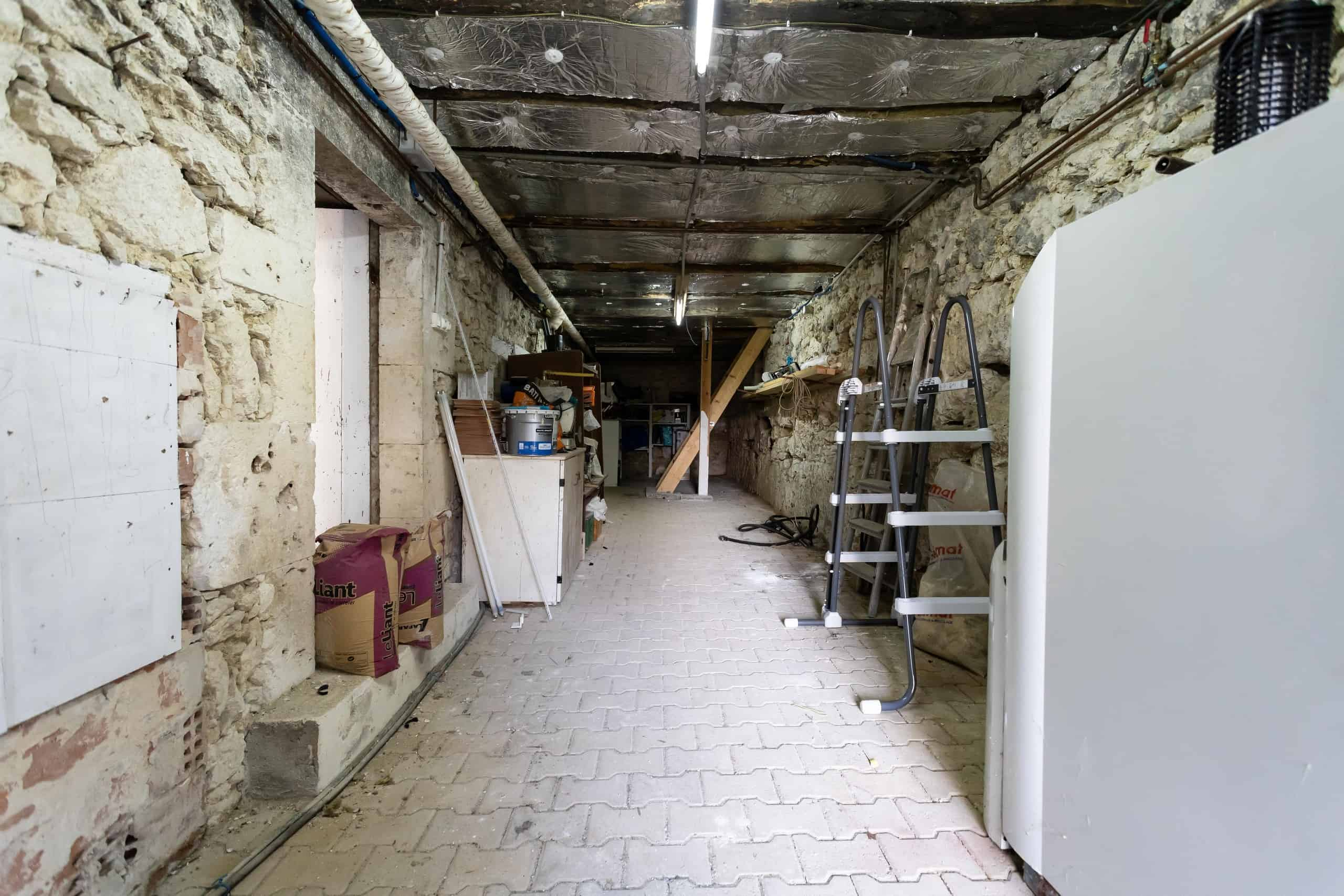 Cellars-WMC105