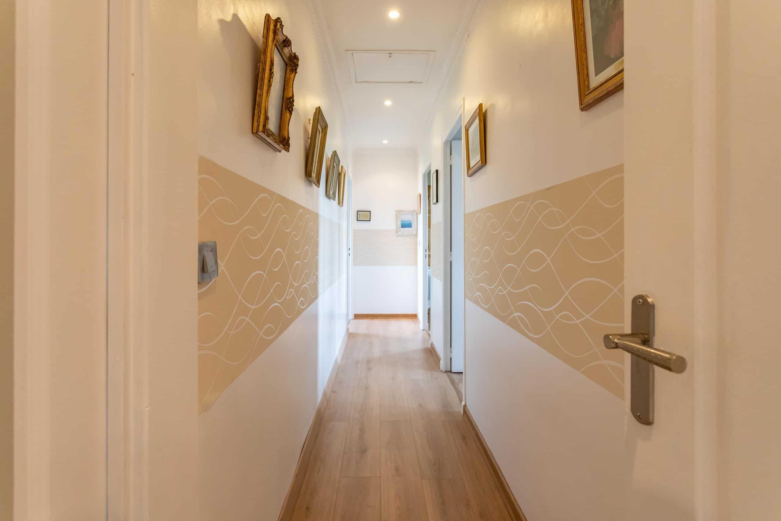 Corridor-WMC109