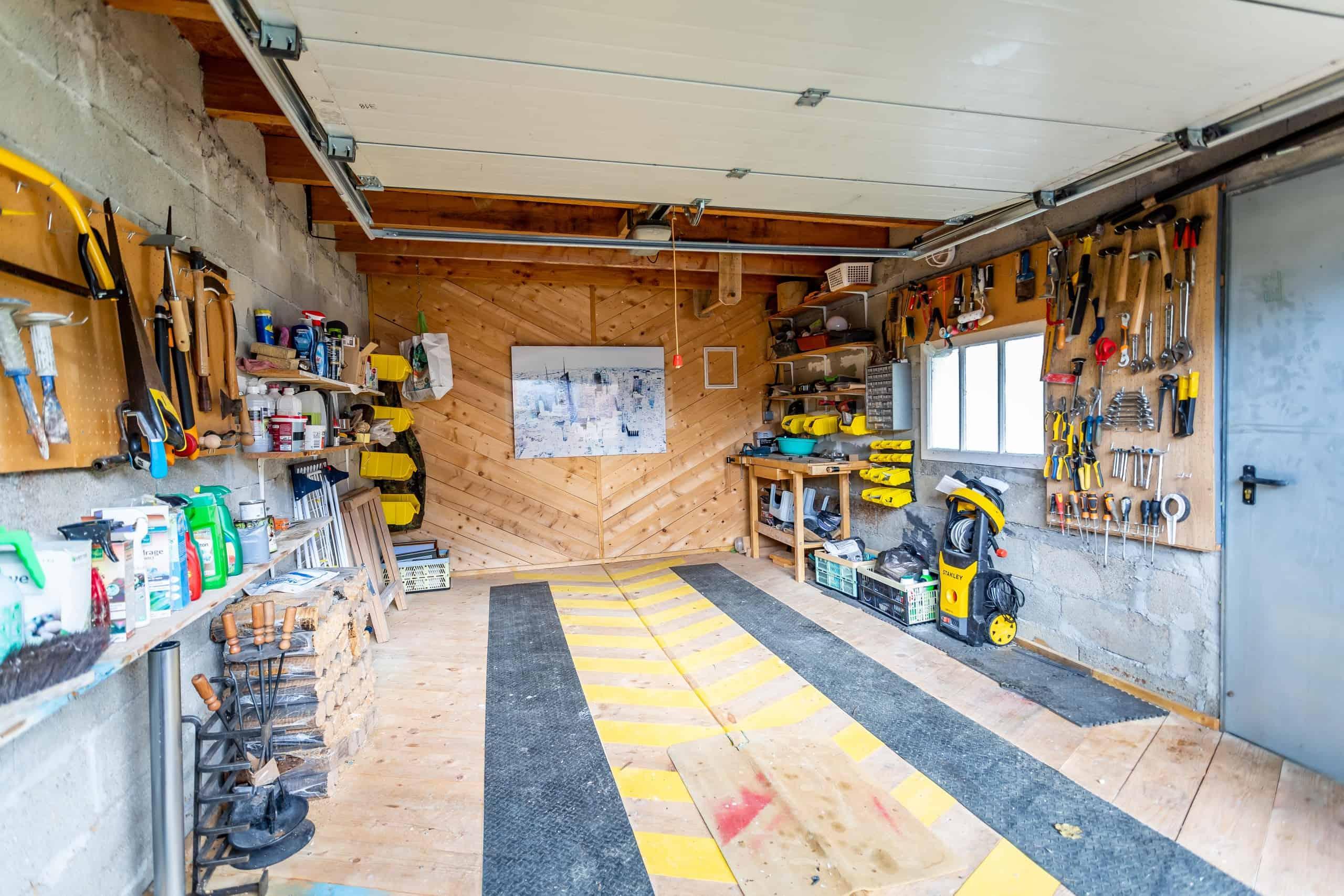 Garage-WMC109