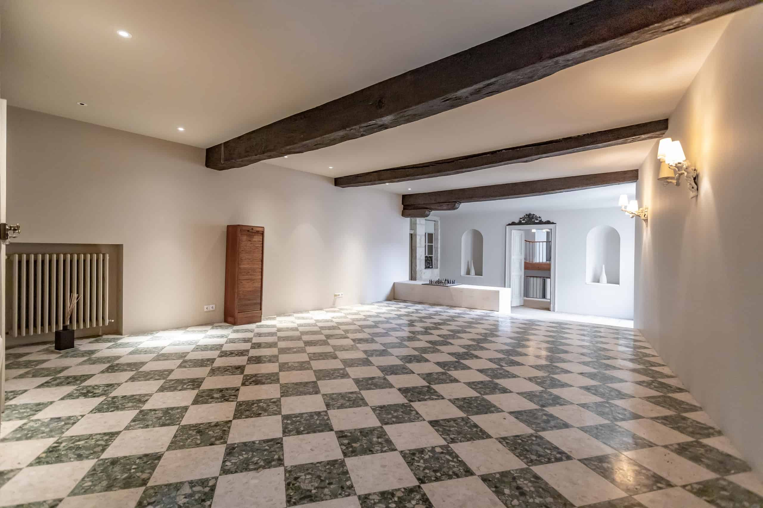 Hallway-WMC110 (1)