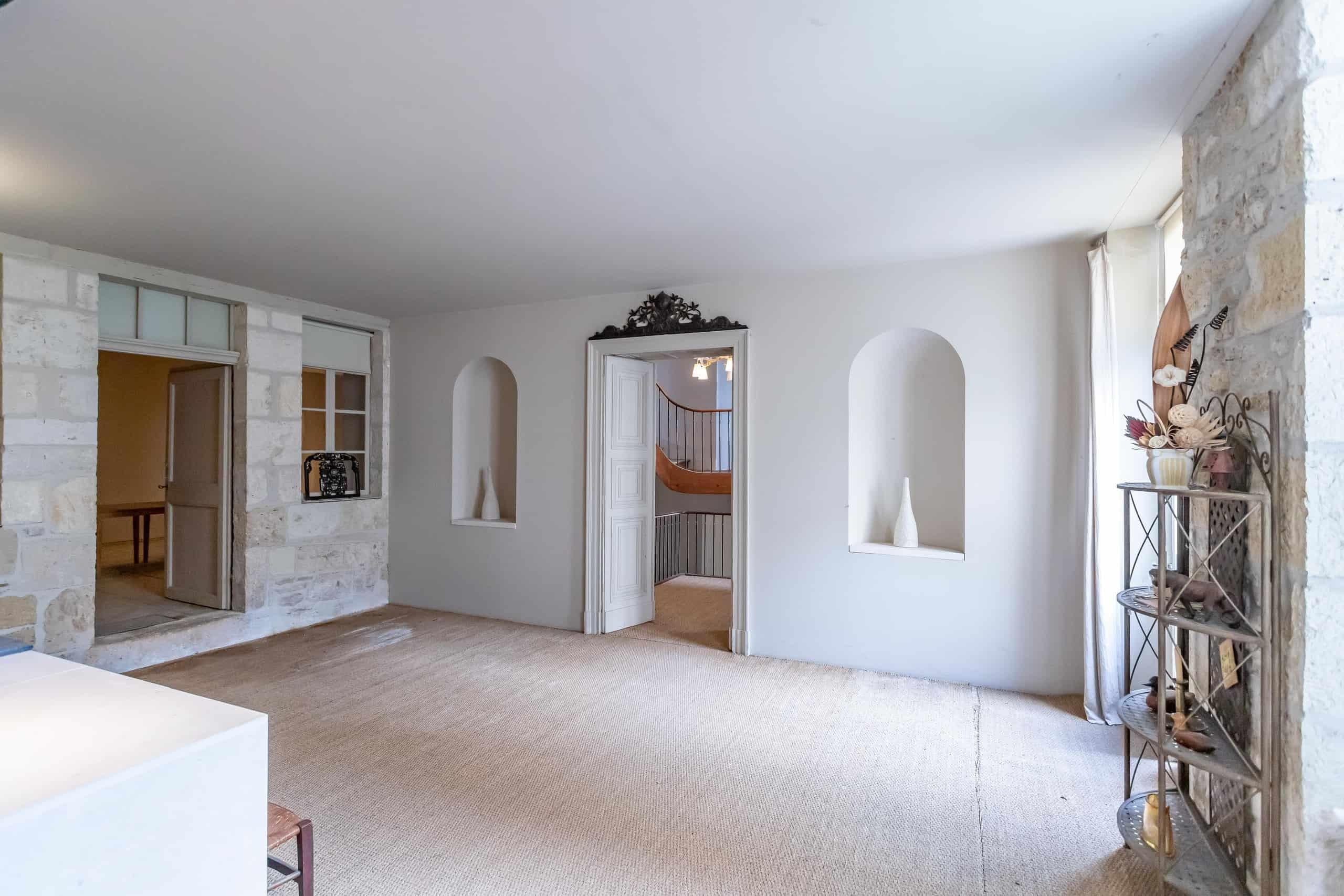 Hallway-WMC110
